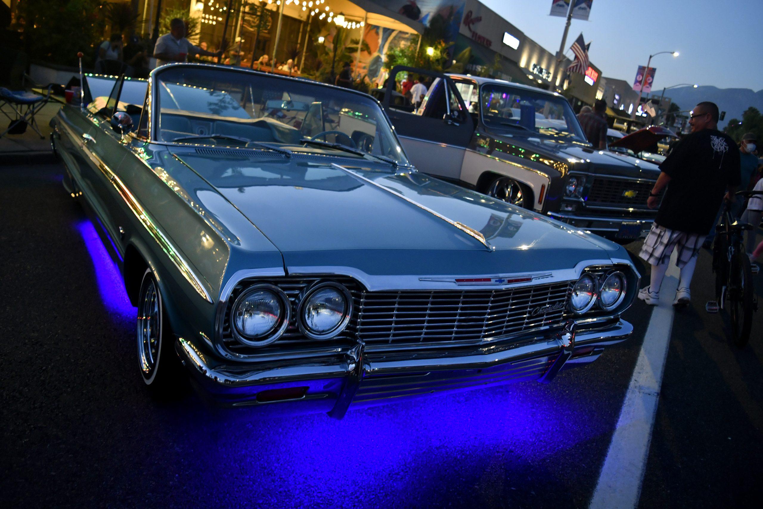 Route 66 Reunion impala lowrider lights