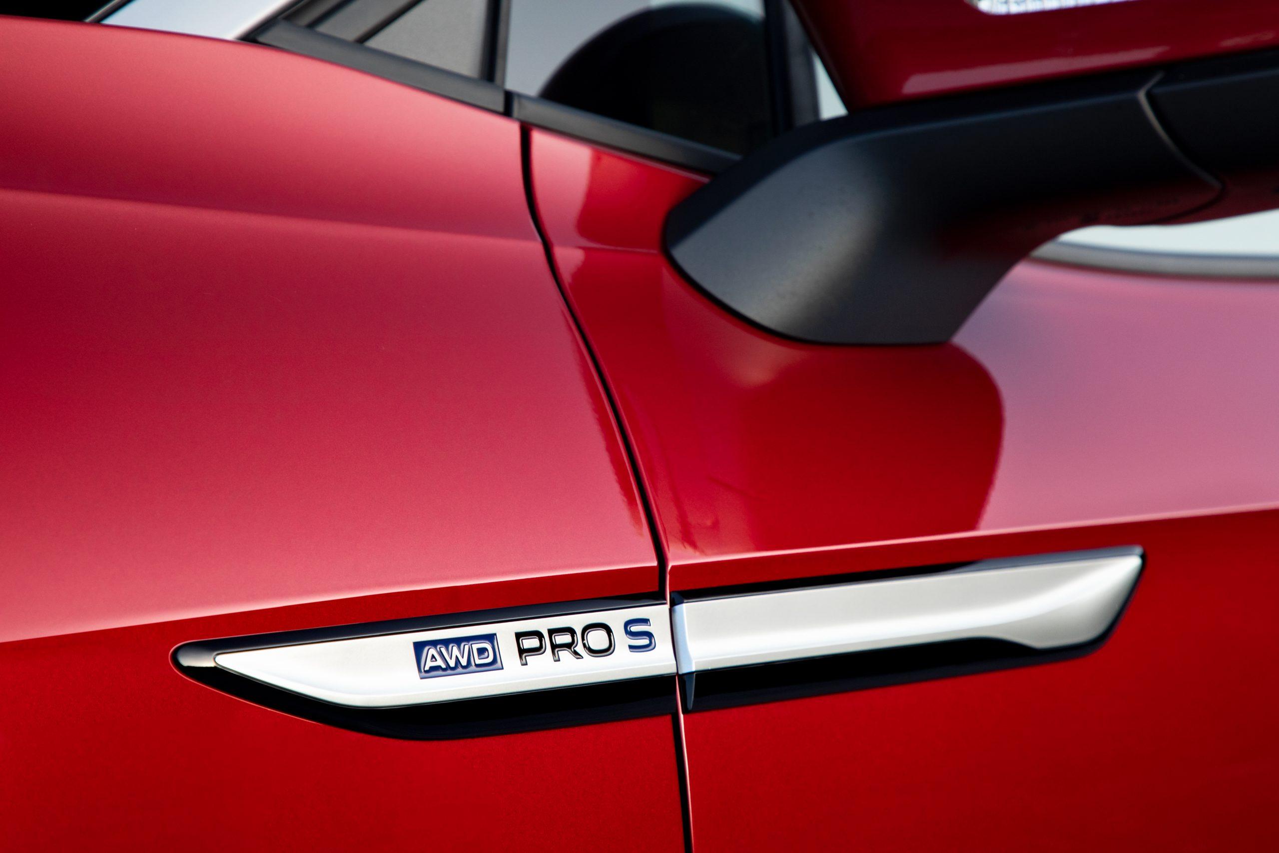VW ID.4 AWD Pro S badge detail