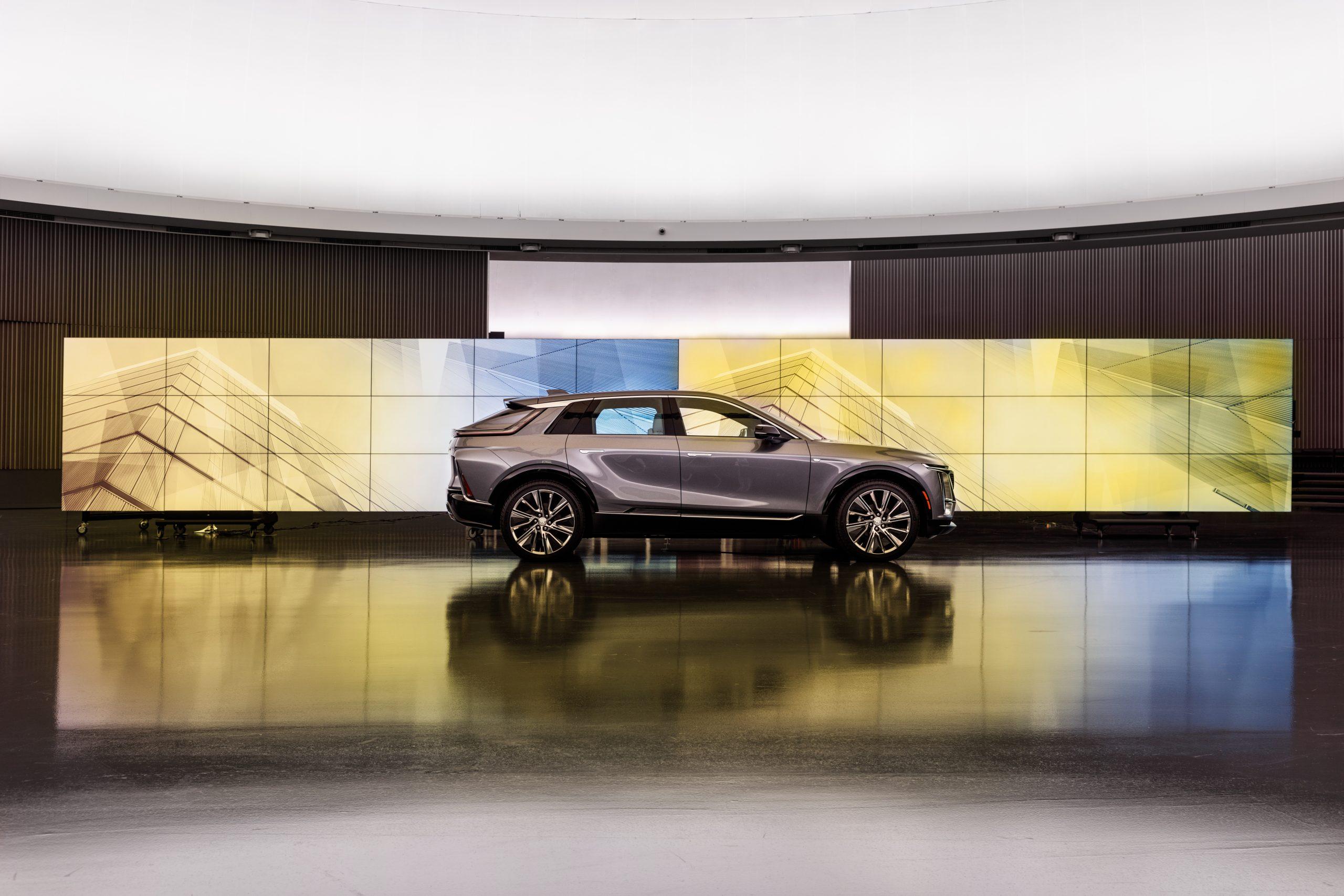 2023 Cadillac Lyriq profile