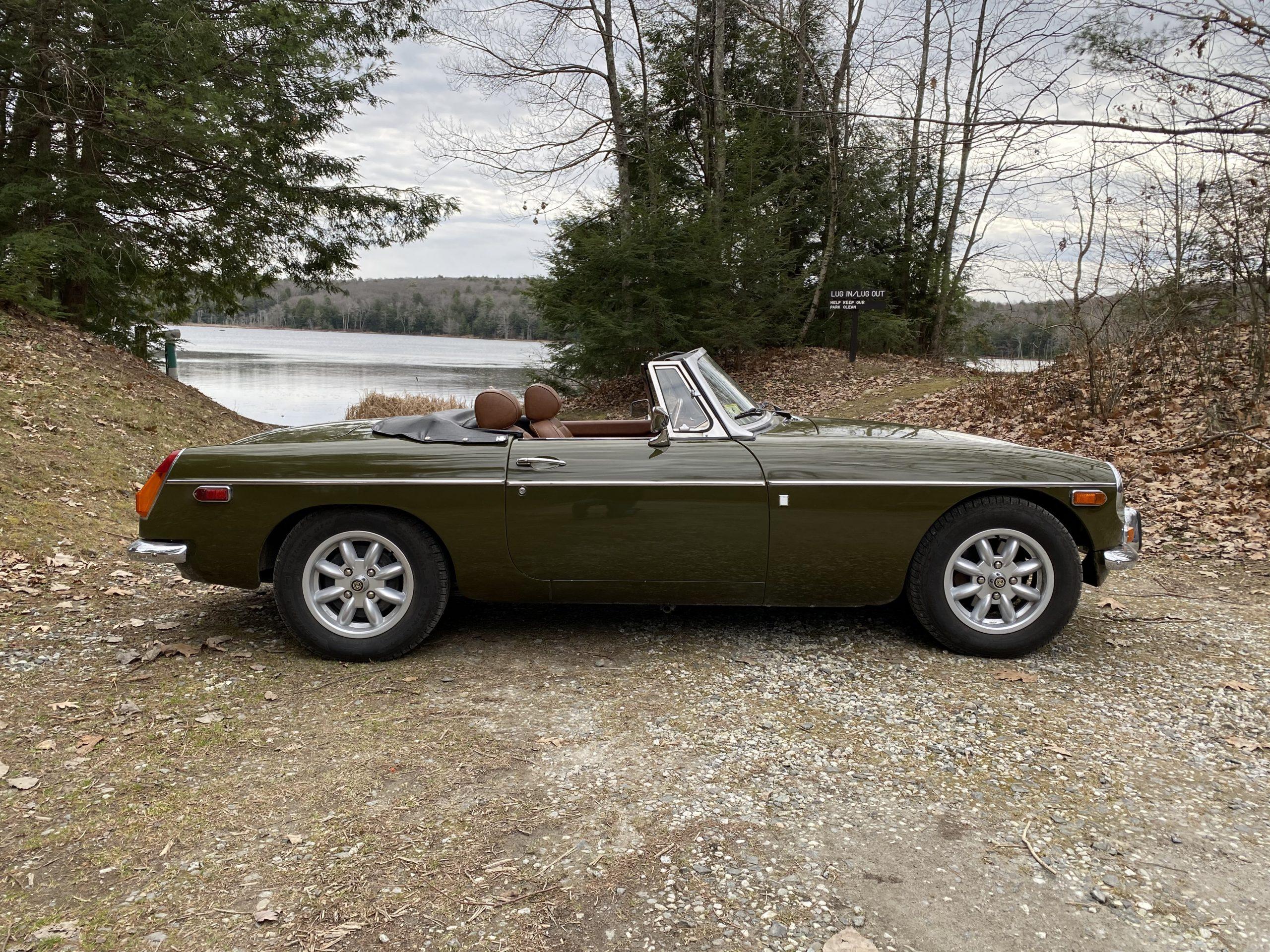 1974 MGB side profile lakeside