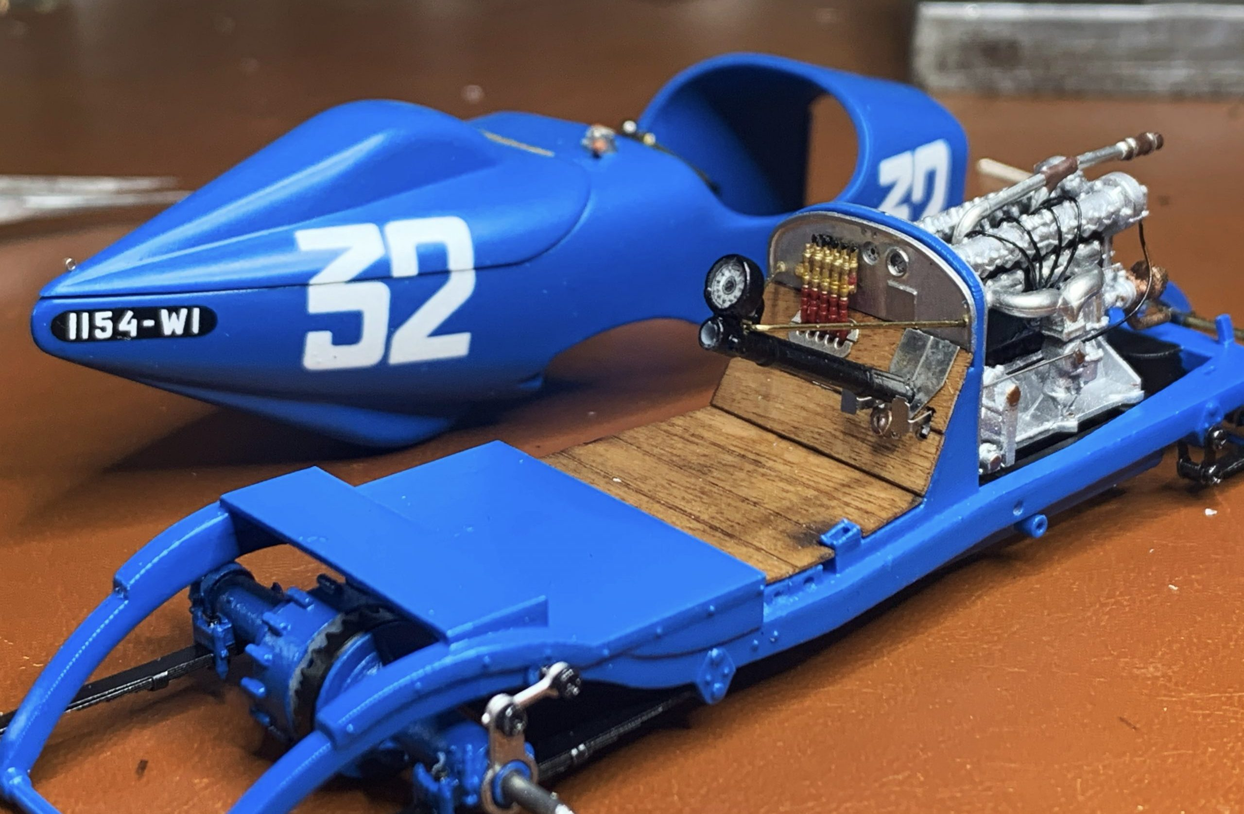 Ramon Cubiro miniatures racer chassis body