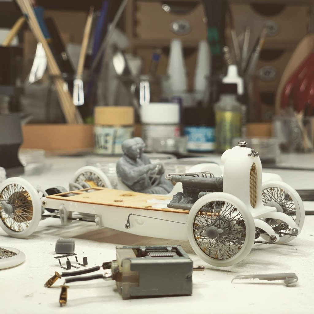 Ramon Cubiro miniatures vintage racer creation
