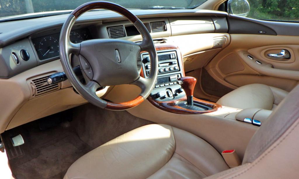 1998 Lincoln Mark VIII Collector's Series interior