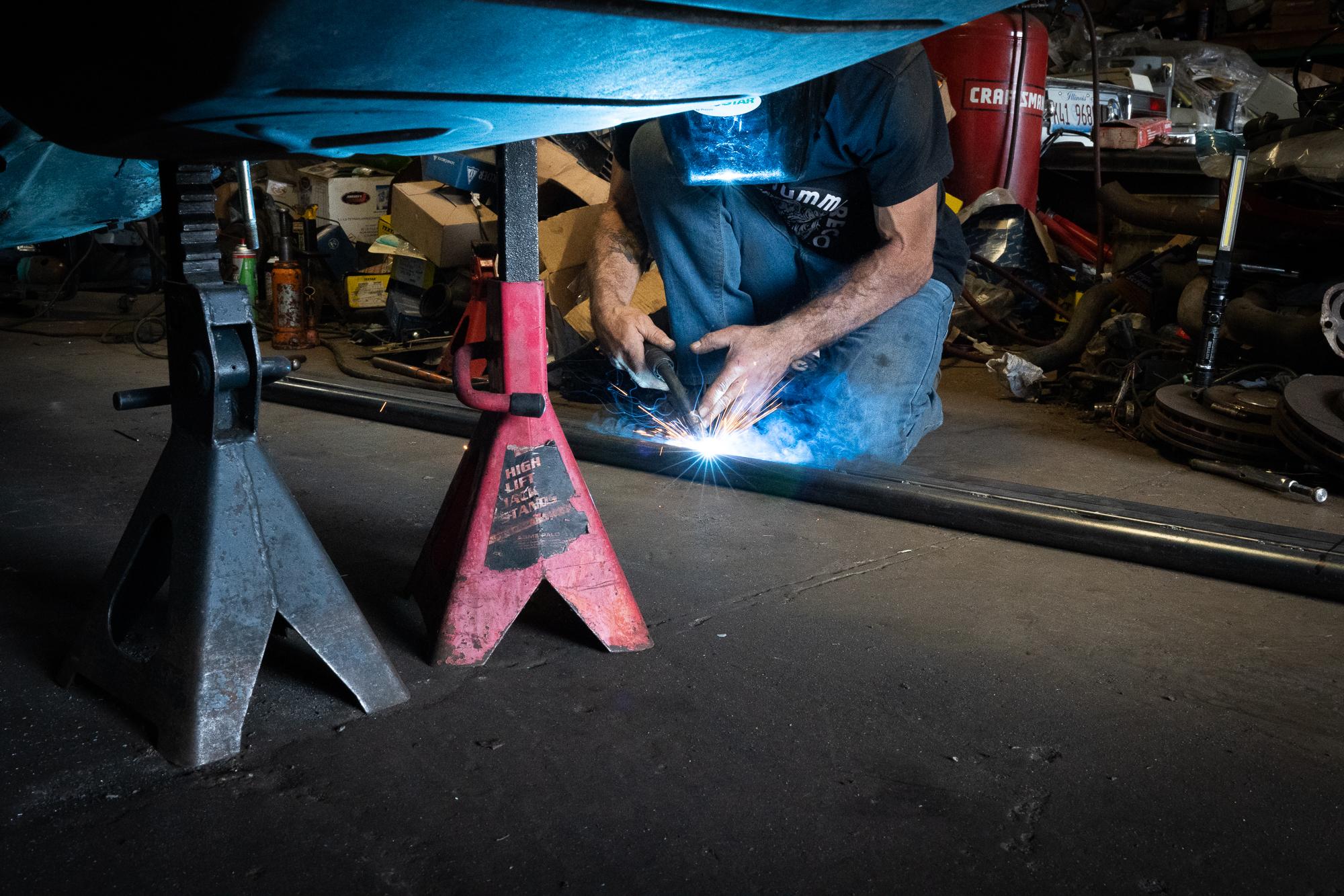 BMW 2002 frame welding