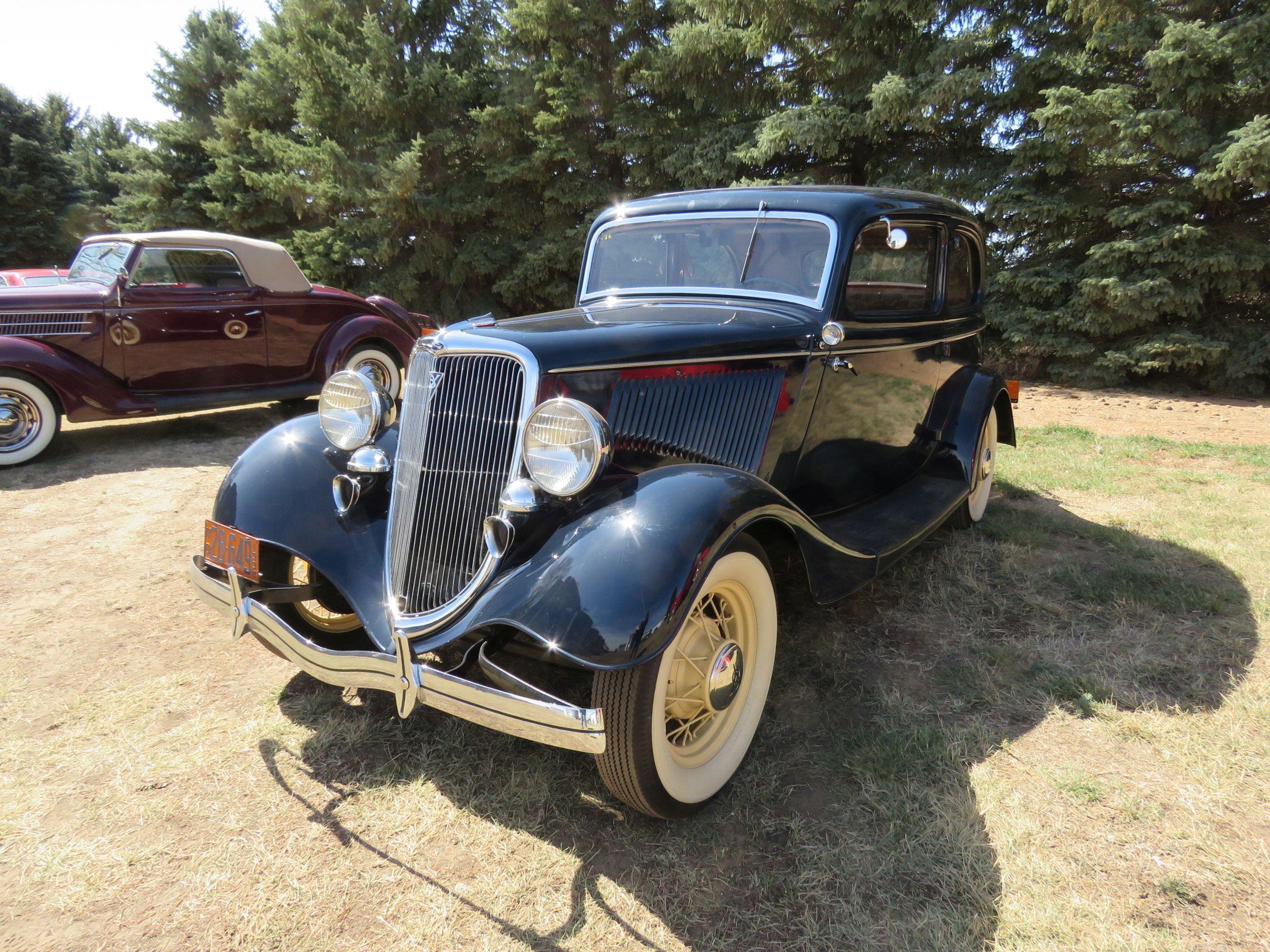 Vanderbrink - Krinke Collection - 1934 Ford Victoria