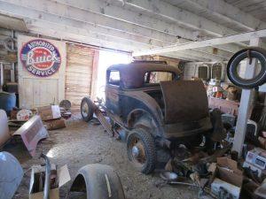 Vanderbrink - Krinke Collection - 1932 Ford Coupe barn find