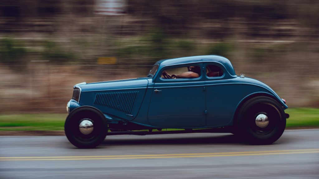1933 Ford Coupe side profile action