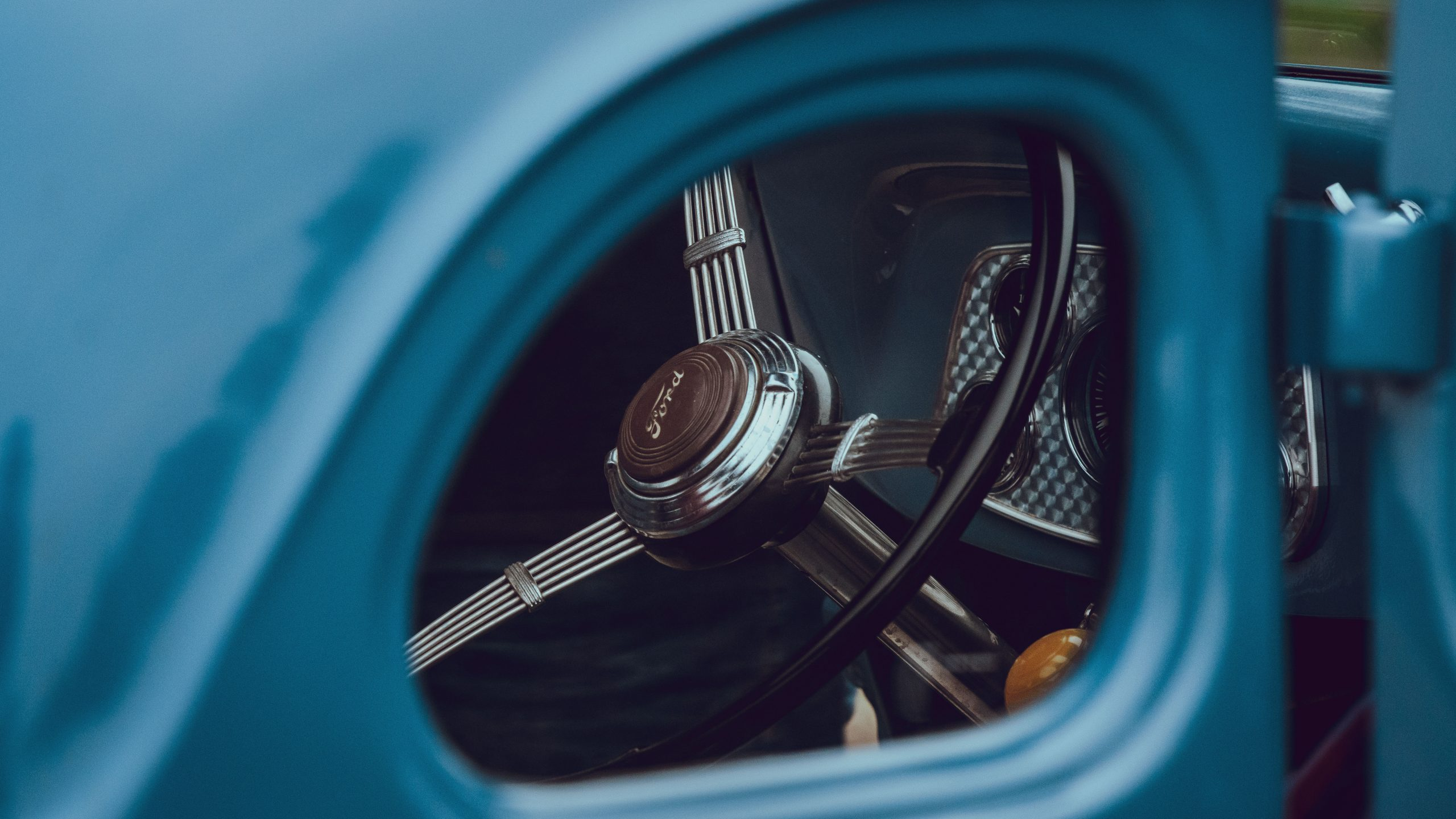1933 Ford Coupe interior wheel detail