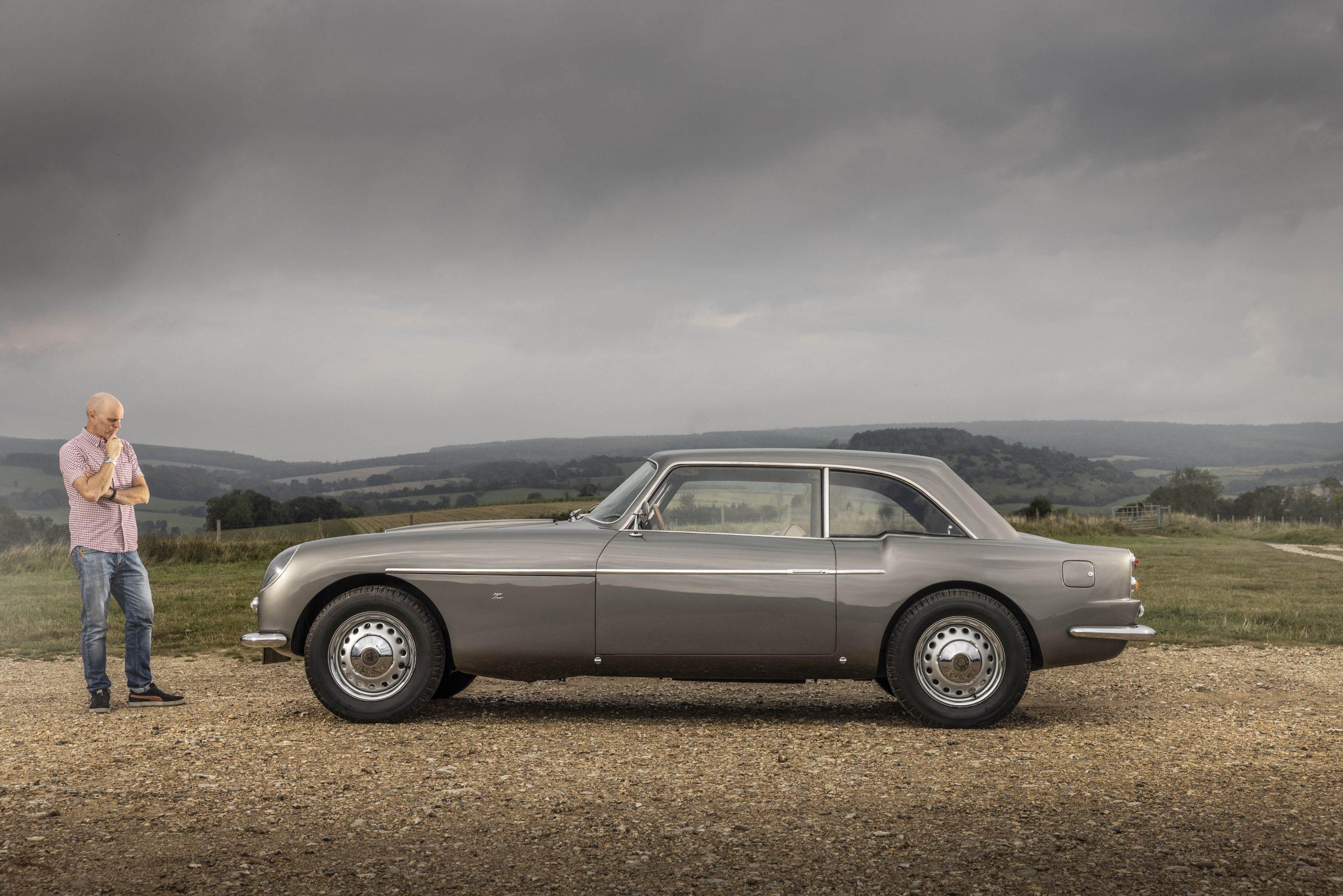 Zagato-bodied Bristol 406 side profile