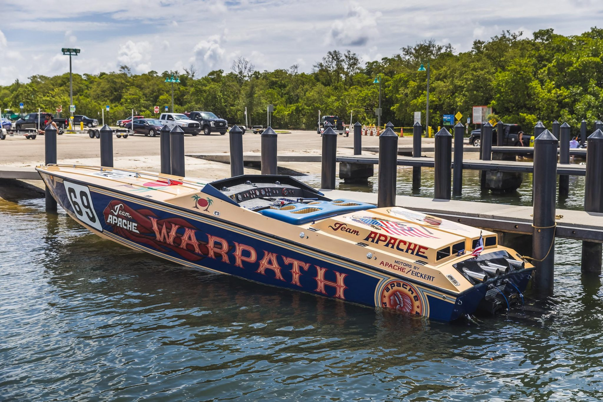 1984 Apache Offshore Powerboat Warpath rear three-quarter