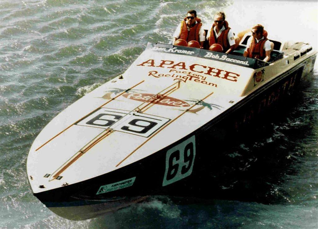 1984 Apache Offshore Powerboat Warpath vintage