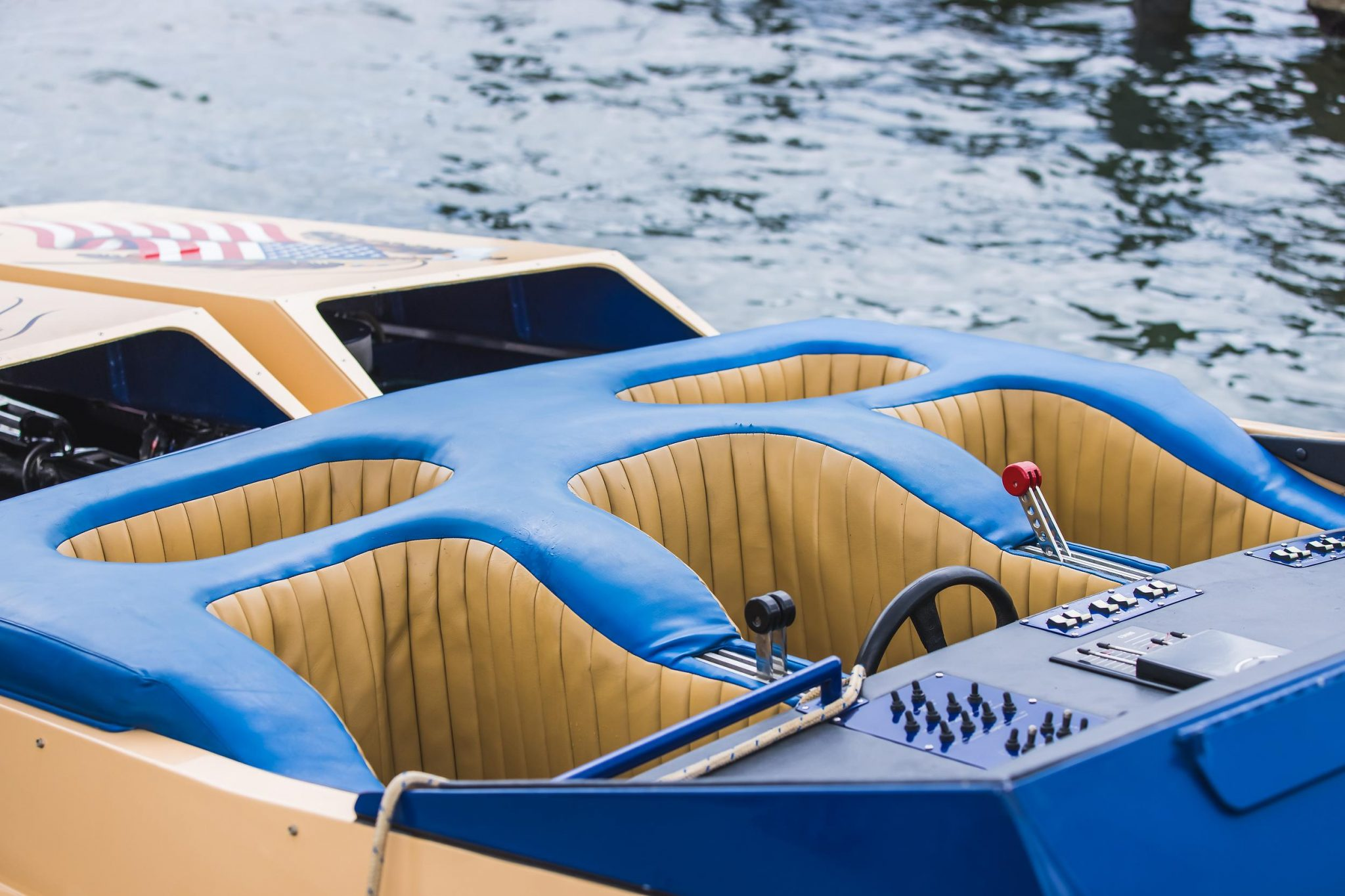 1984 Apache Offshore Powerboat Warpath seating