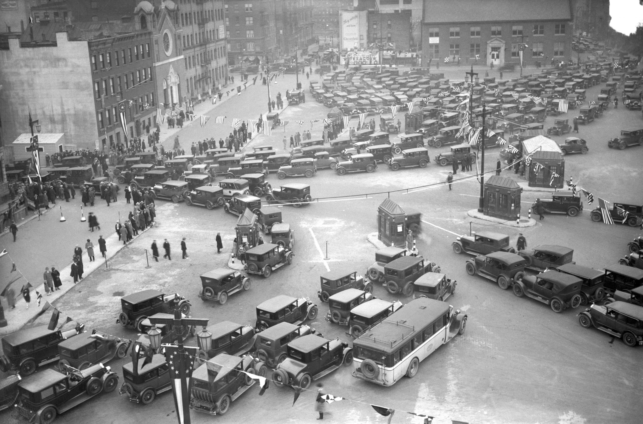 Holland Tunnel Opening to Traffic NYC Entrance