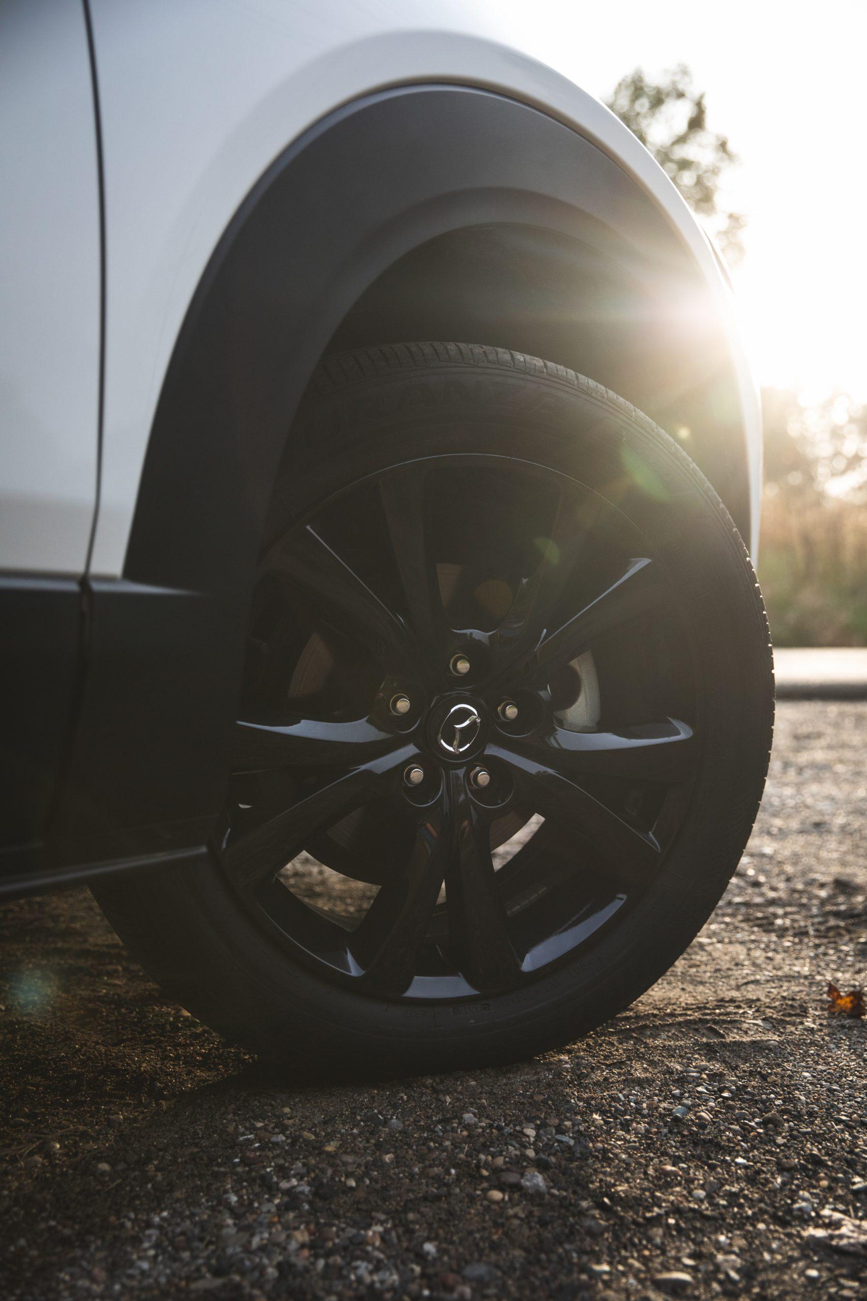 Mazda CX30 front wheel tire vertical