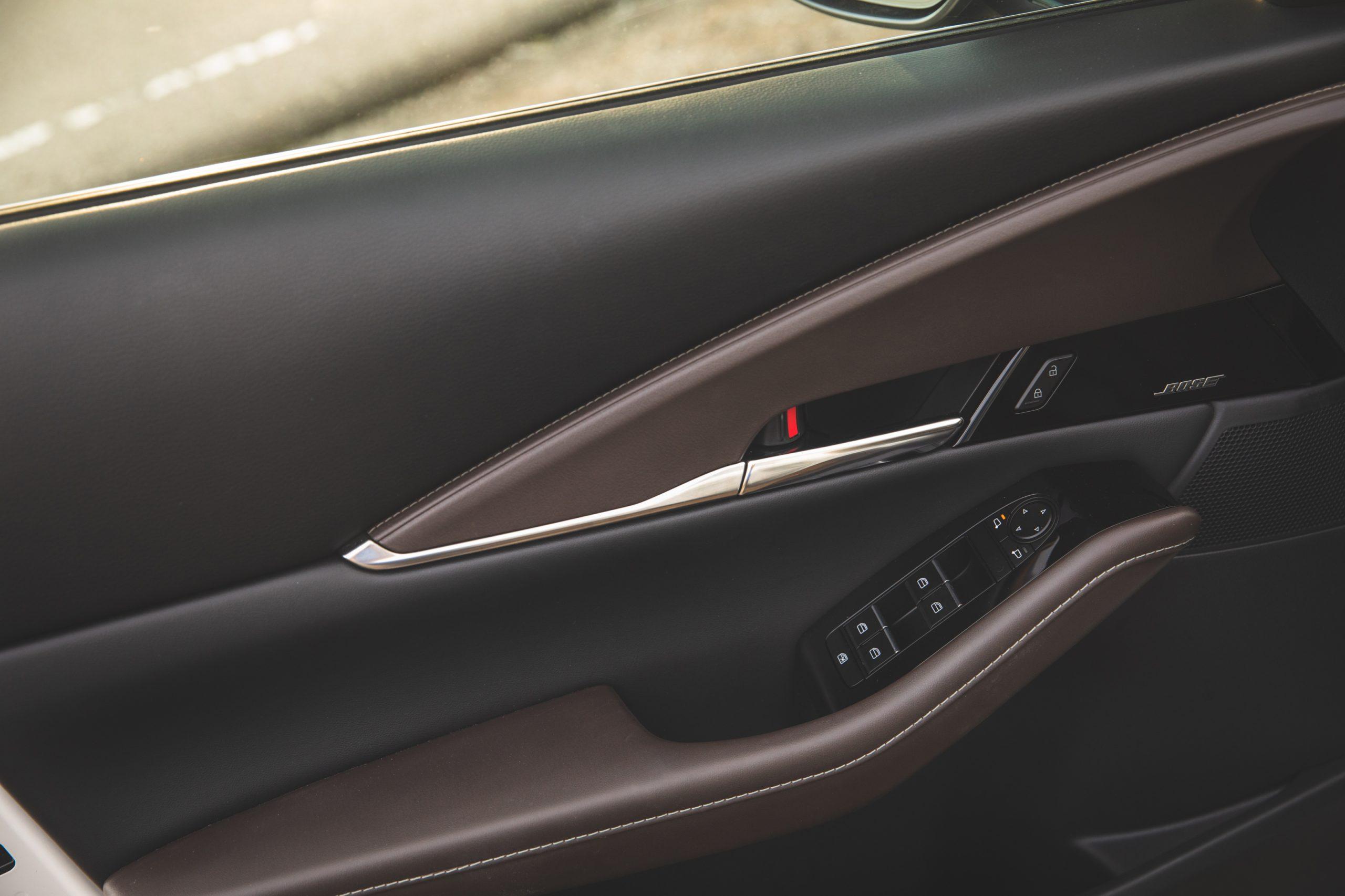 Mazda CX30 interior door panel trim