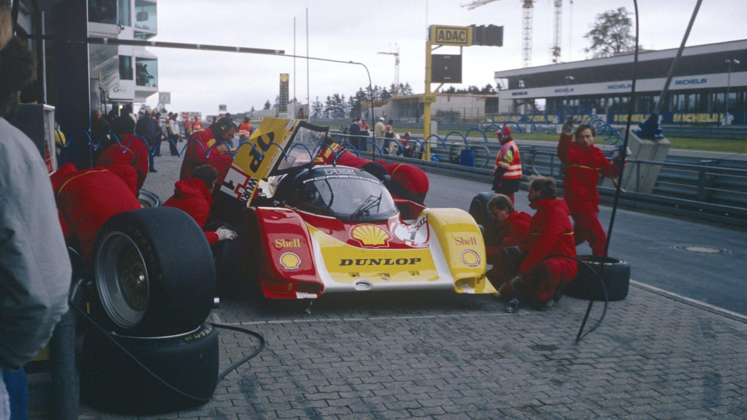 Porsche 962 C in period pit stop