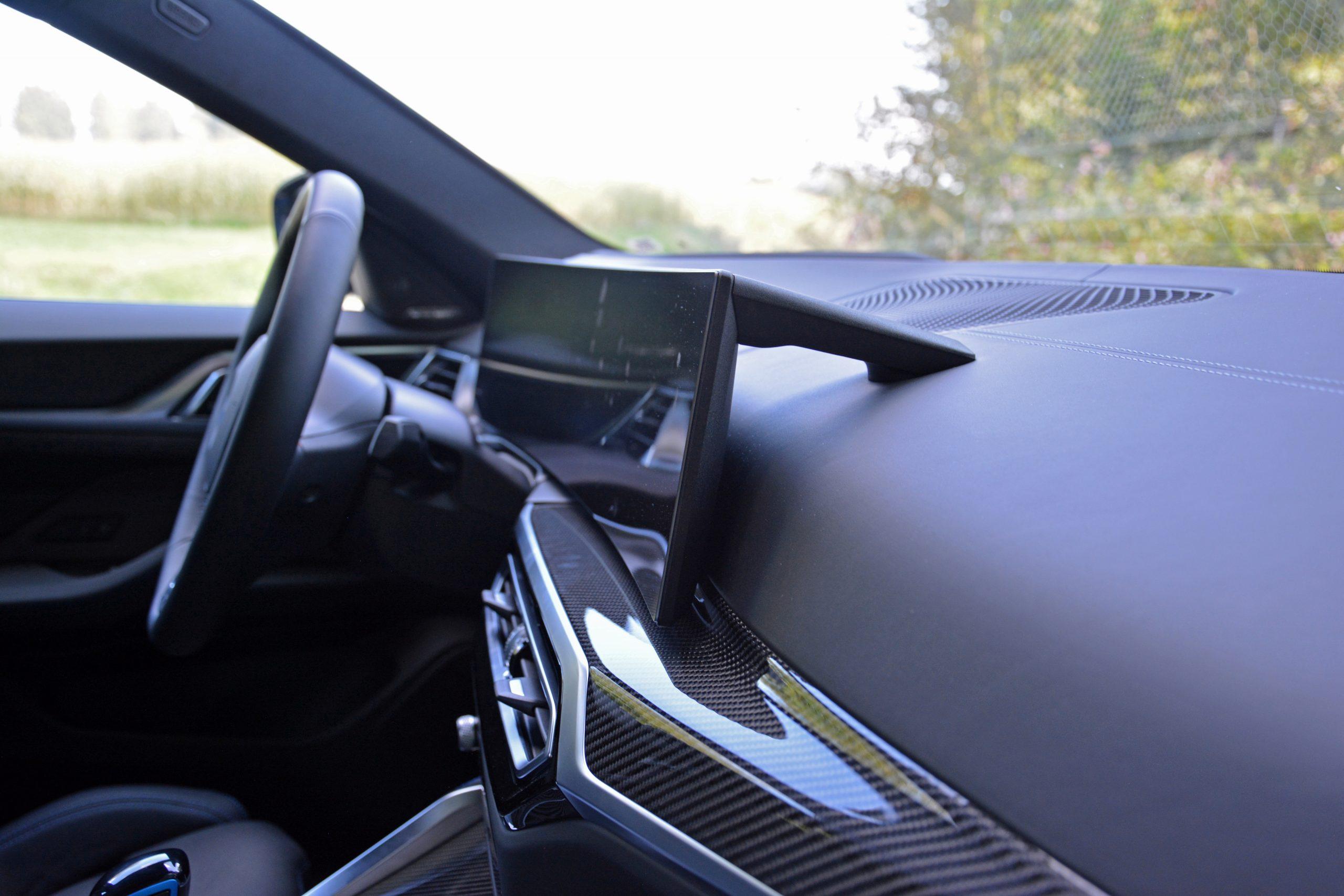 2022 BMW i4 M50 interior dash and infotainment display