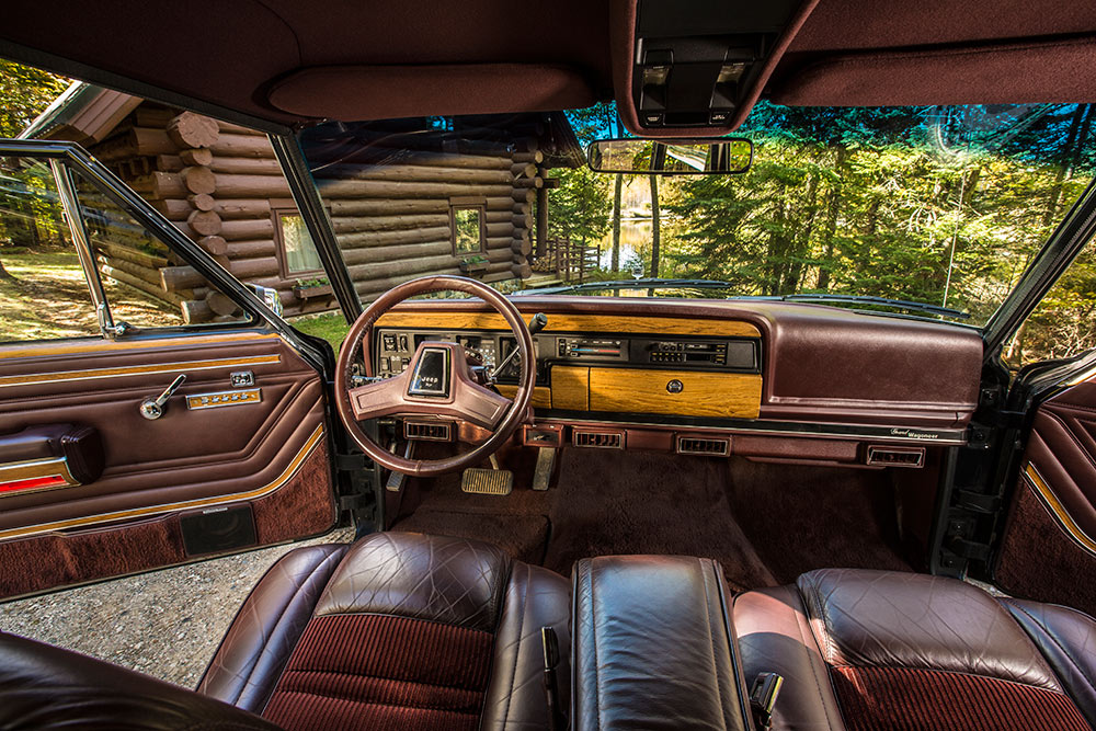 1991 Jeep Grand Wagoneer Corduroy and Leather Interior