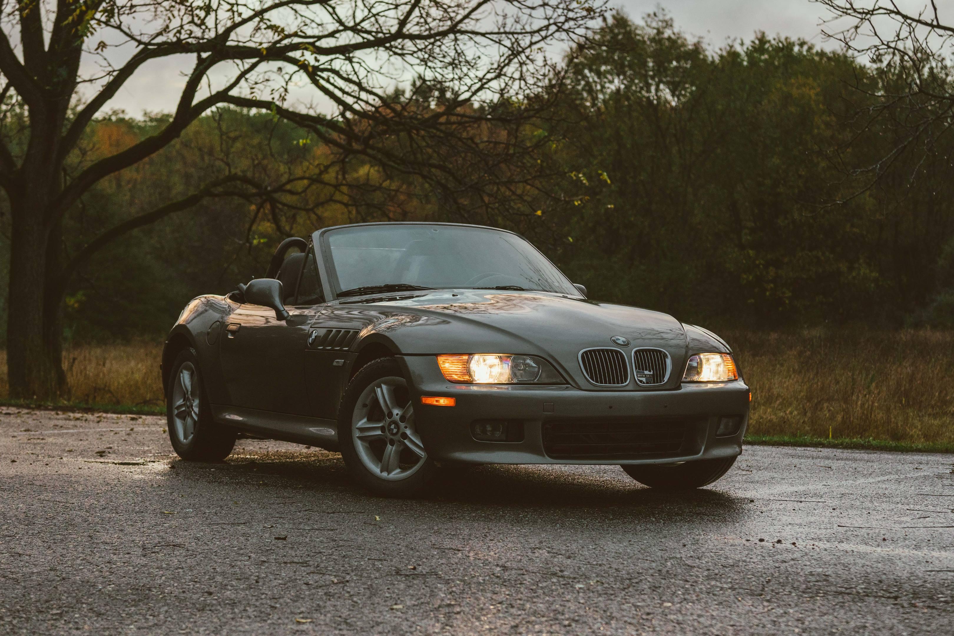 2001 BMW Z3 2.5i front 3/4
