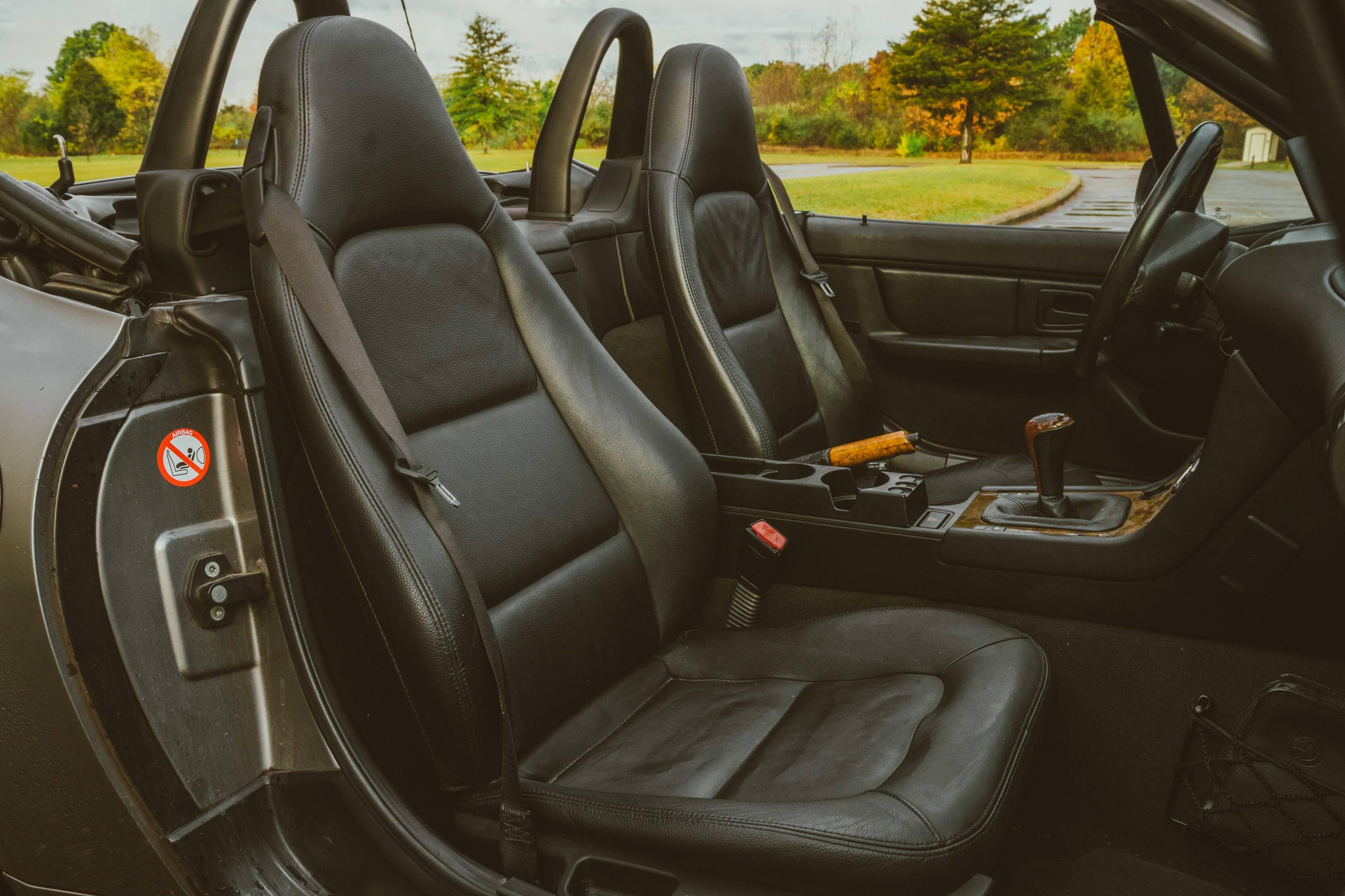 2001 BMW Z3 2.5i seats