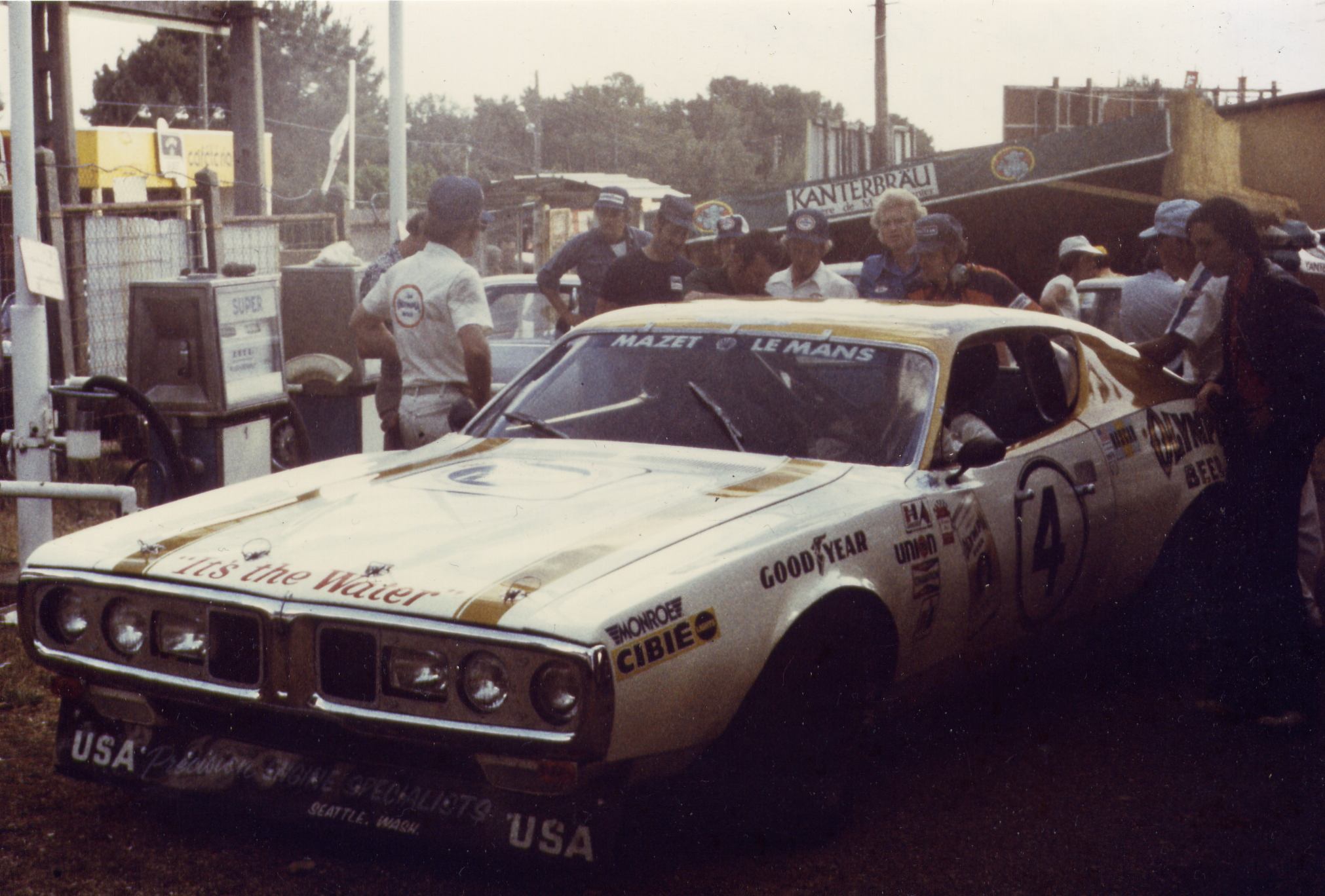 1974 Dodge Charger in the Le Mans pits