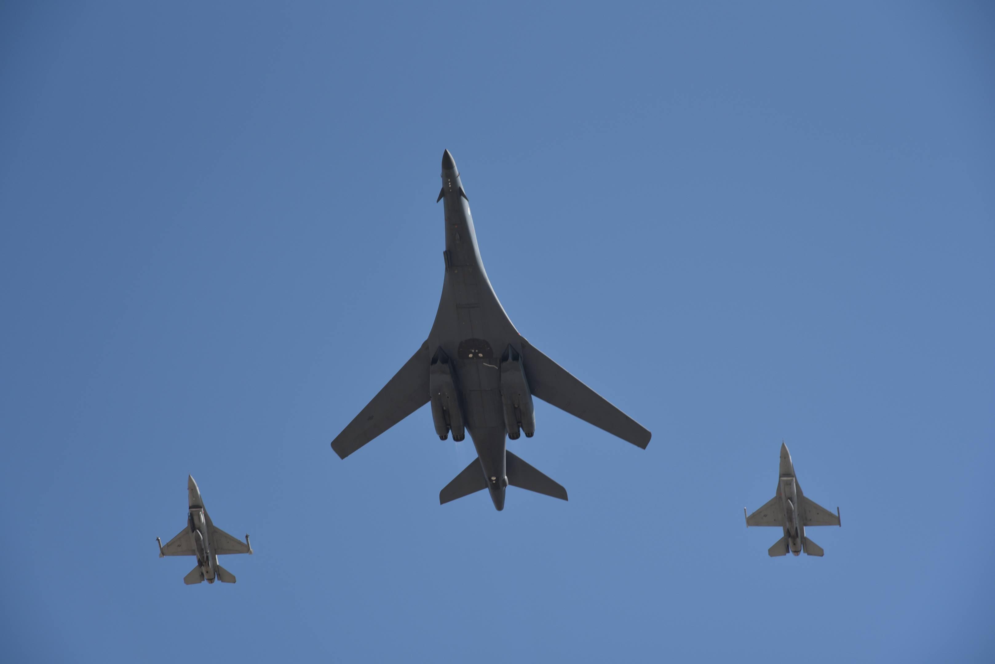 b-1 bomber f-16 flyover