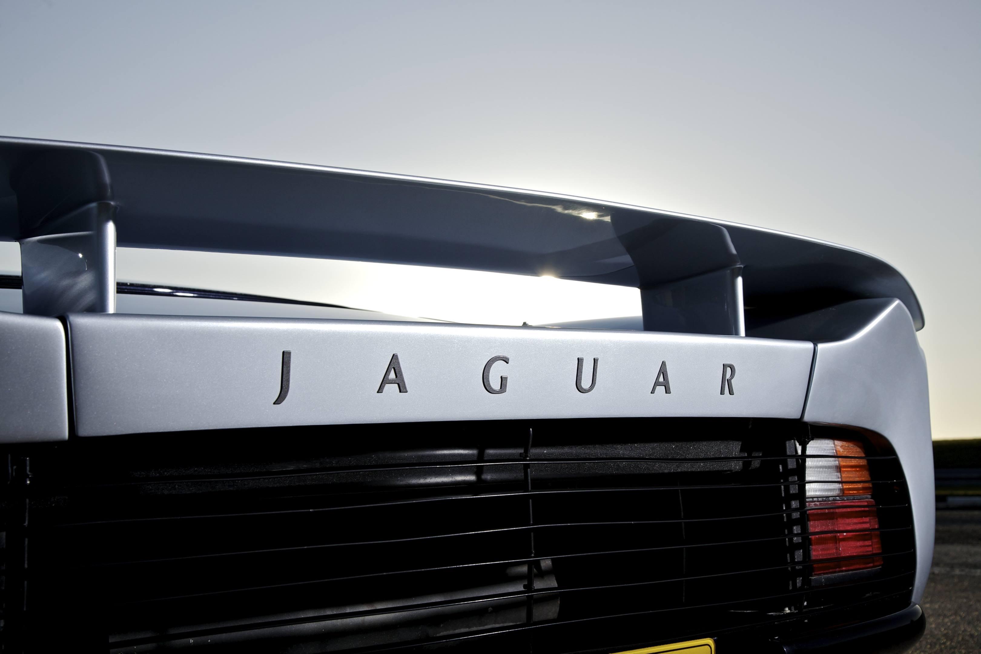 Jaguar XJ220 rear detail