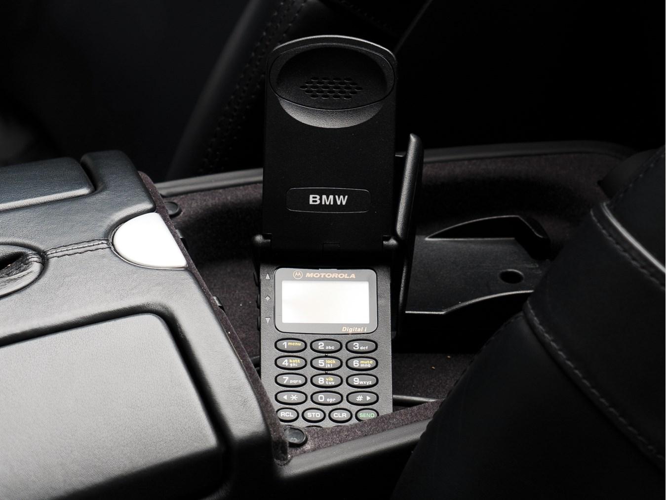 BMW Z8 phone