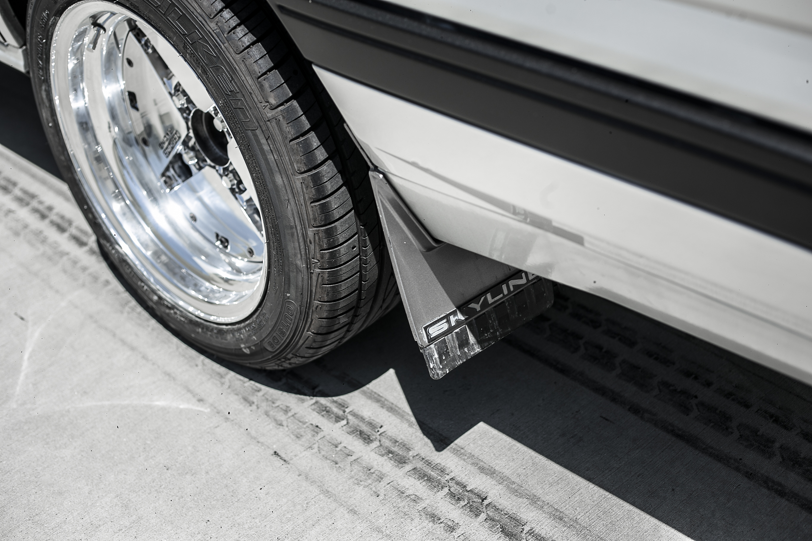 Nissan R31 Skyline turbo wagon wheel detail