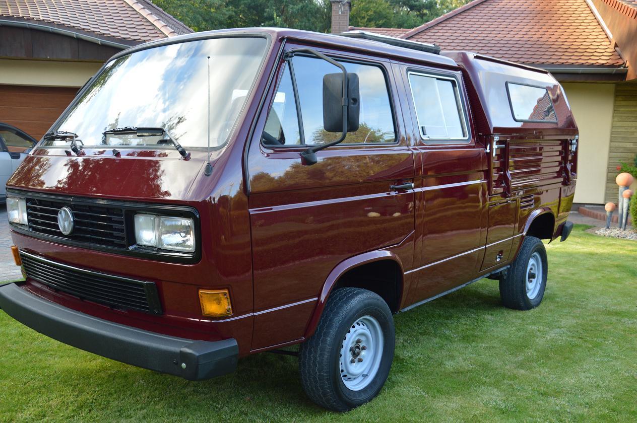 1990 Volkswagen Bus/Vanagon Doka Syncro 4WD Camper side