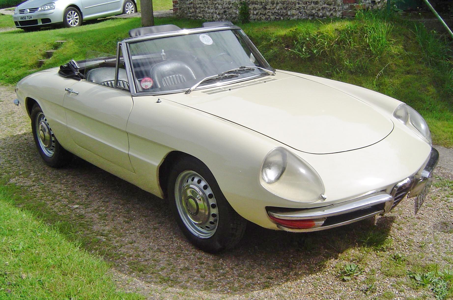 1966 Alfa Romeo Spider Duetto