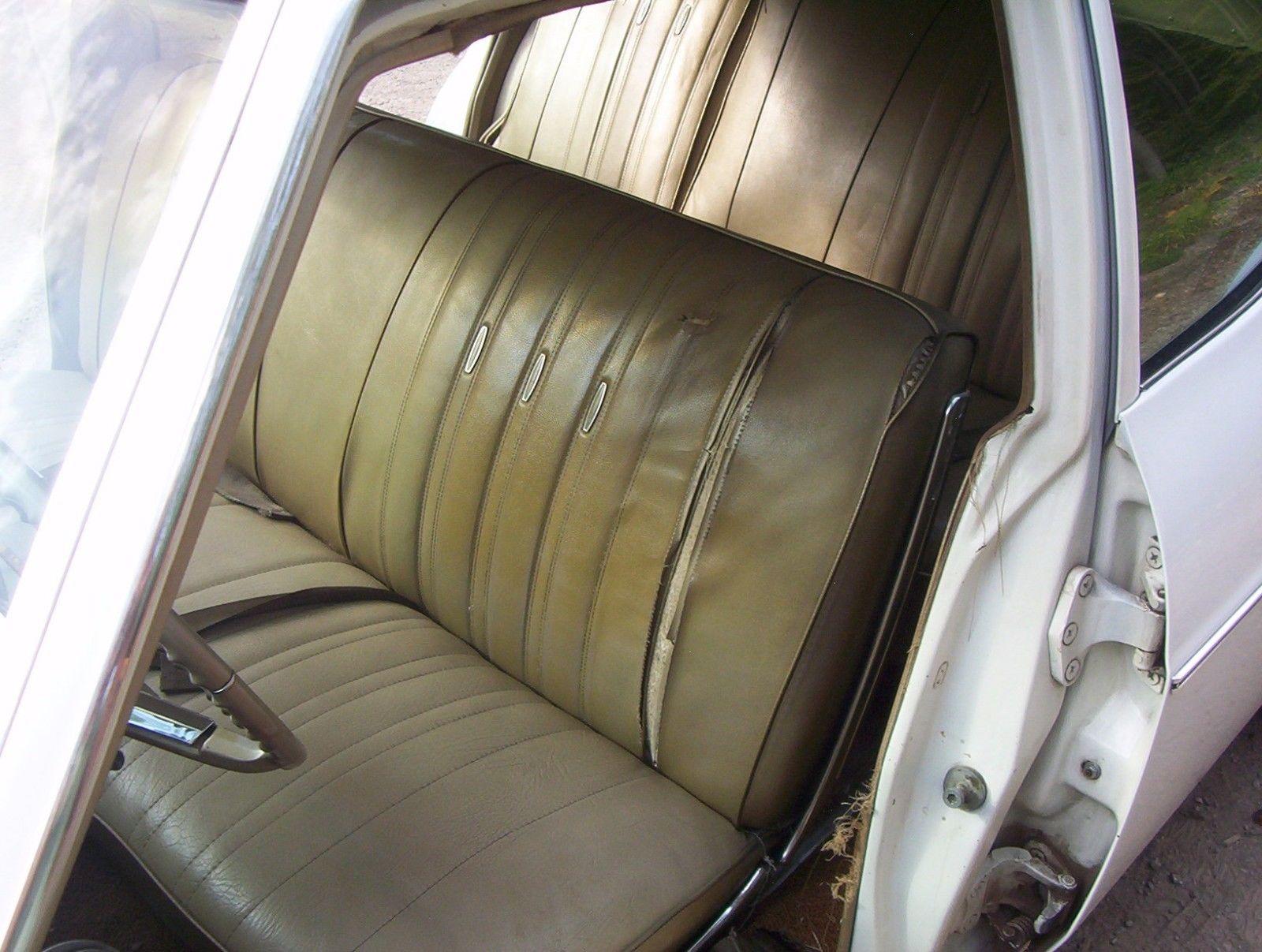 1966-Chevrolet-Impala-Wagon-396-front-seat