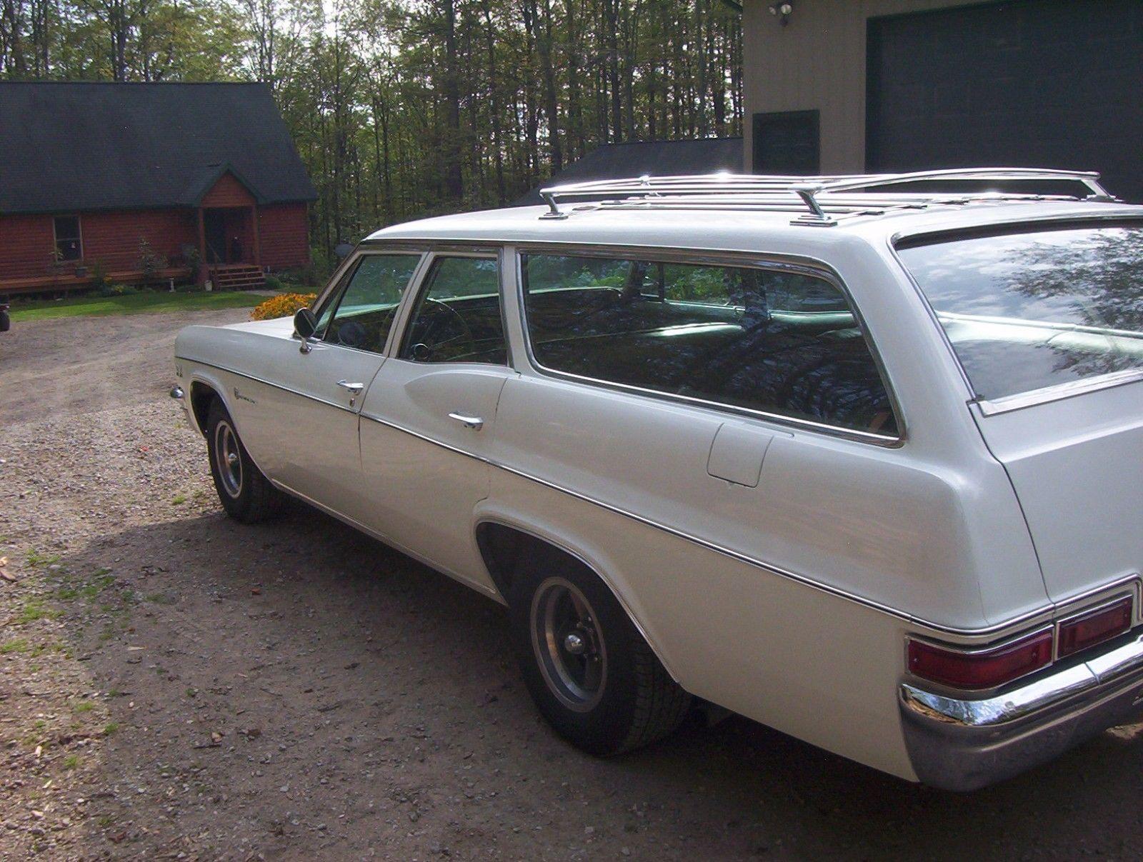 1966-Chevrolet-Impala-Wagon-396-rear-fender