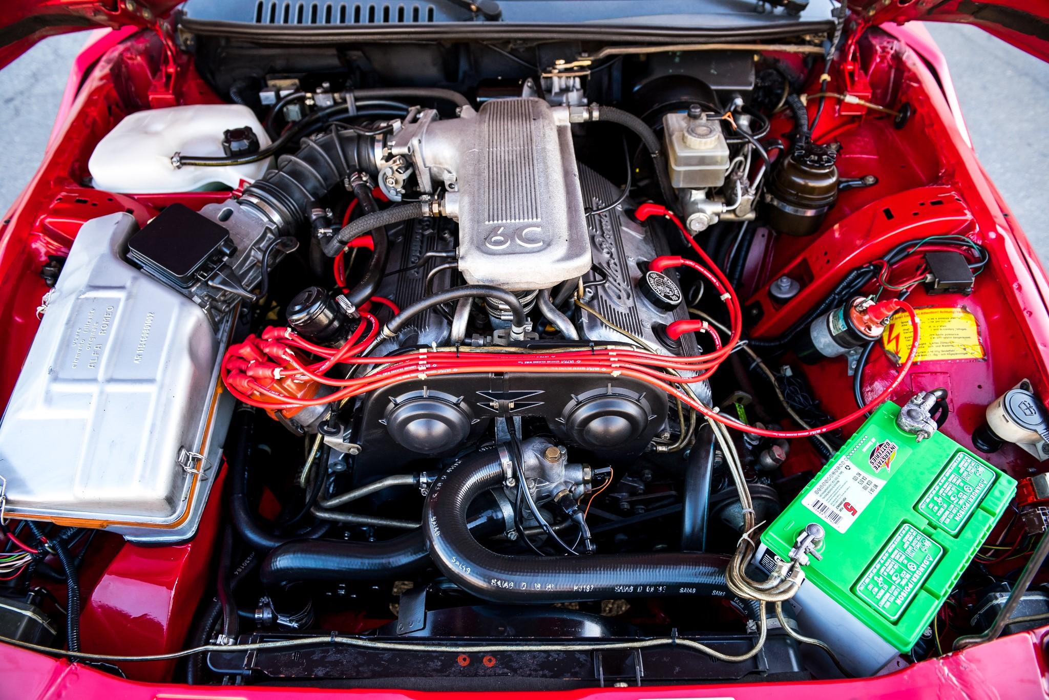 1991 Alfa Romeo SZ engine