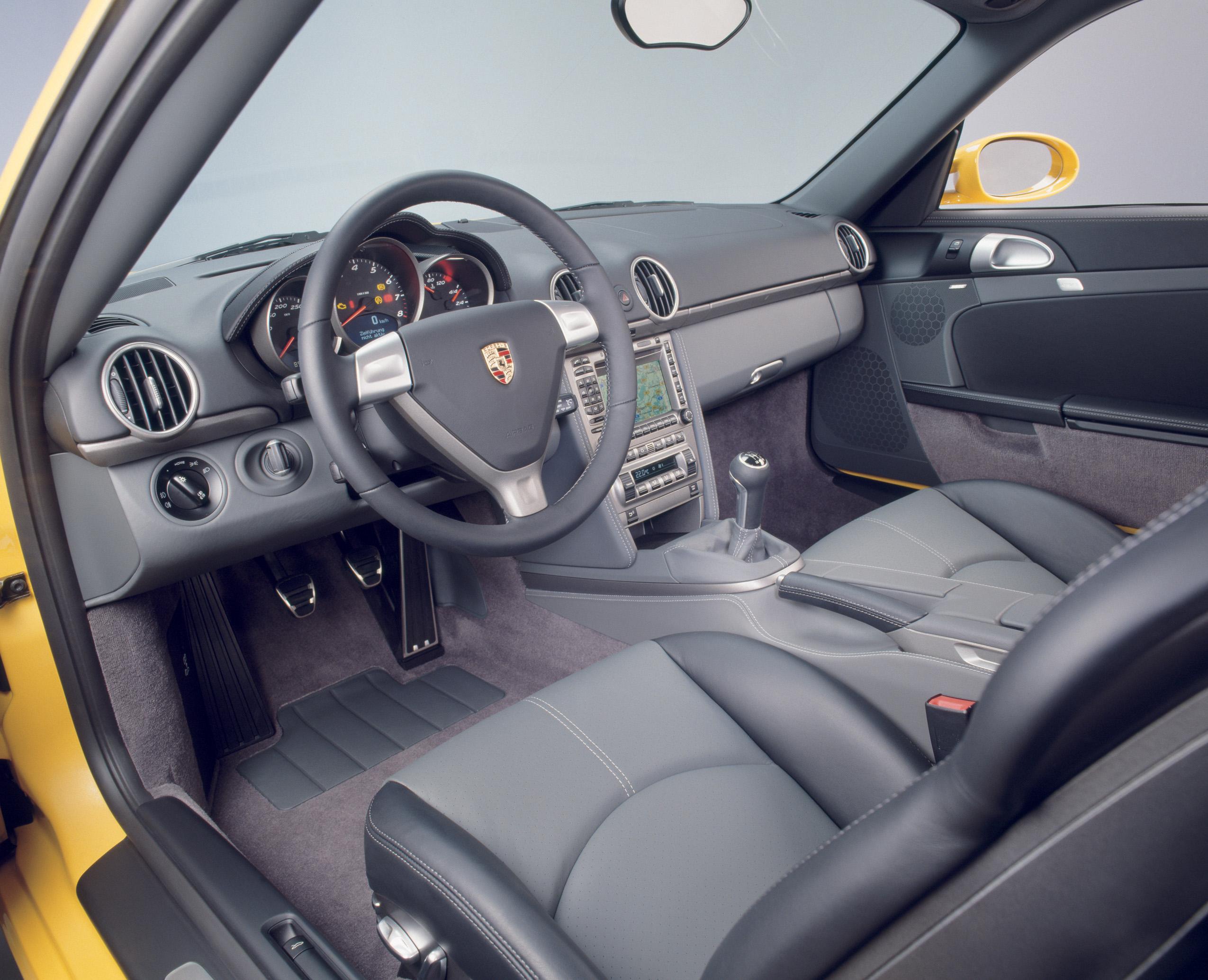 2007 Porsche Cayman interior