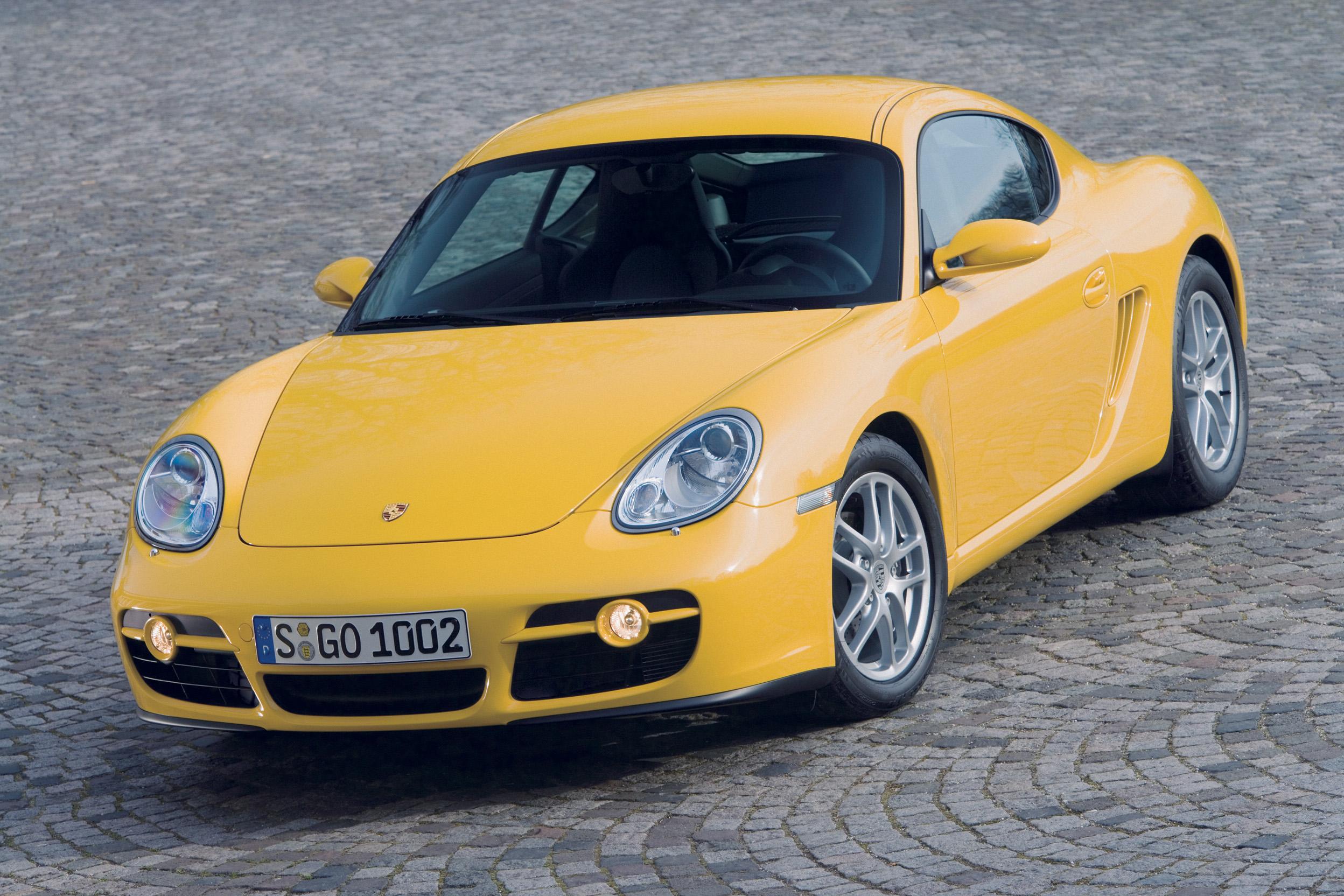 2007 Porsche Cayman front 3/4
