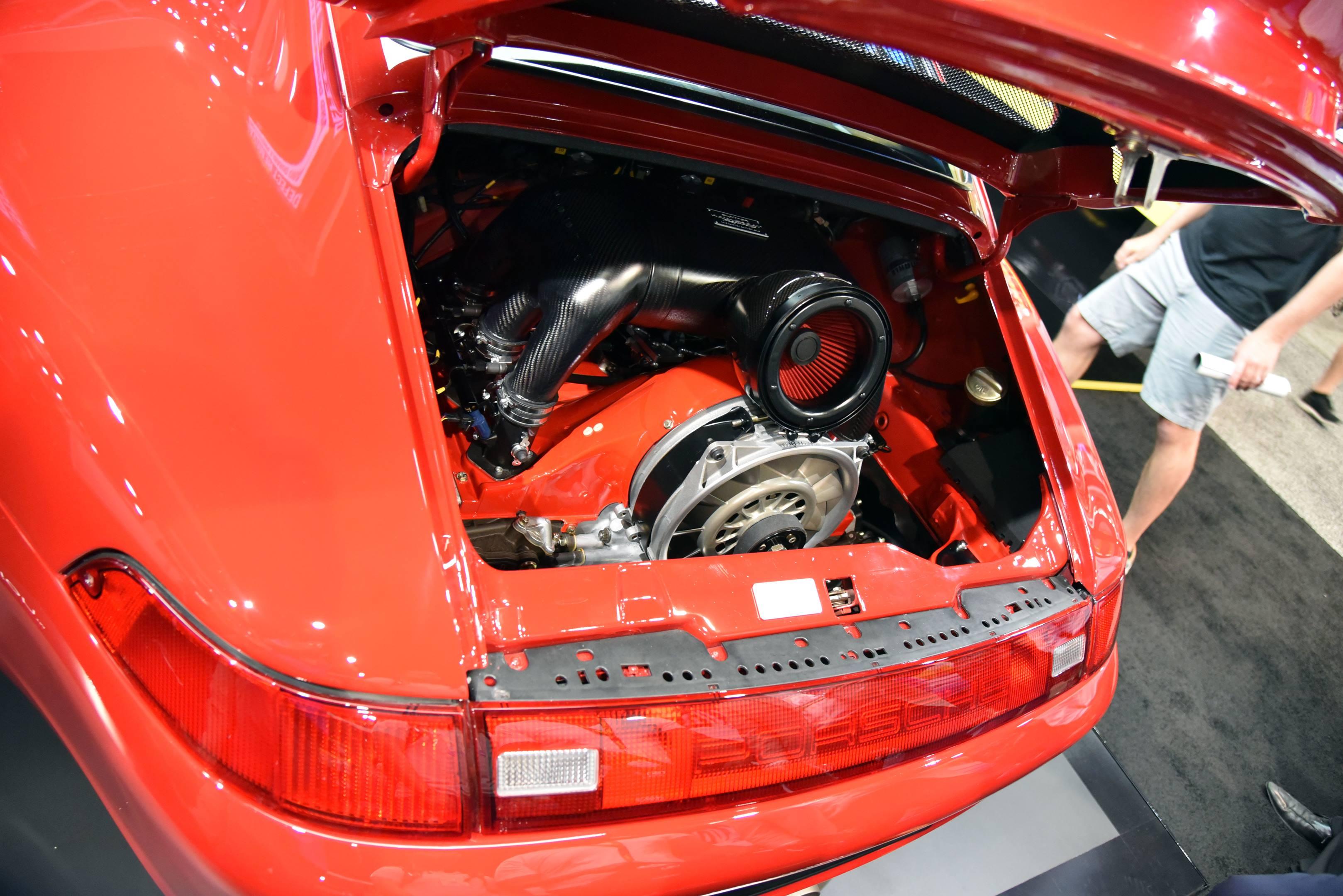 Gunther Werks 400R engine