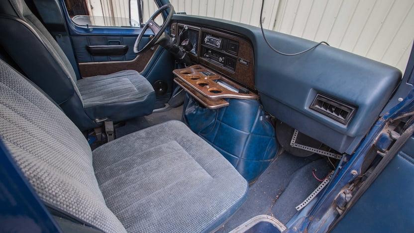 1977 Ford Econoline Van interior