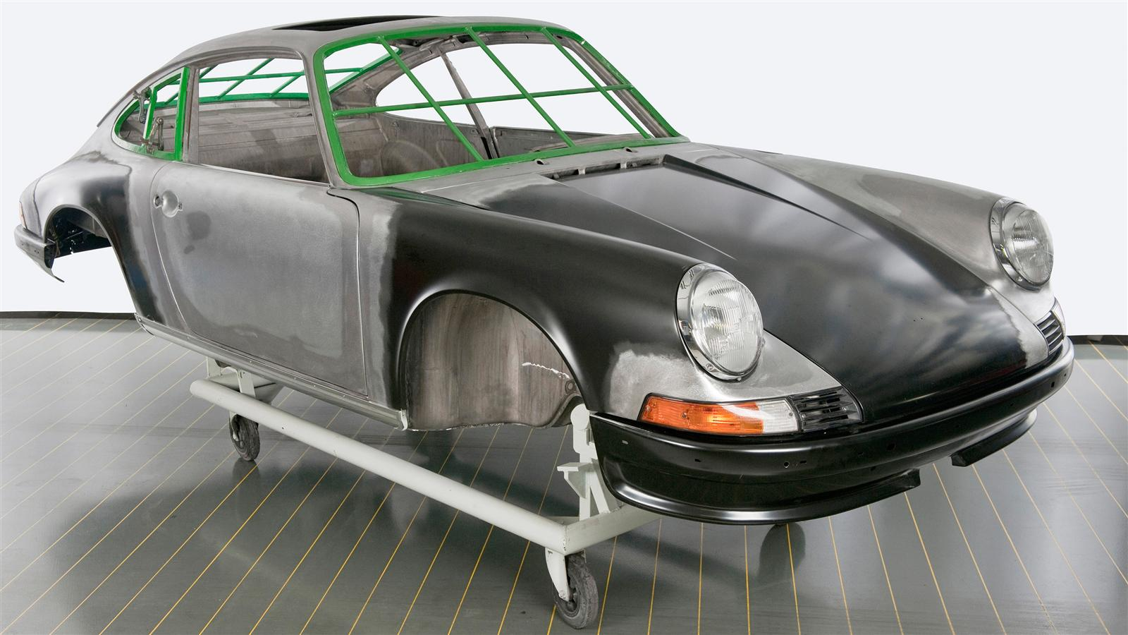 Porsche 911 Factory Restoration front 3/4