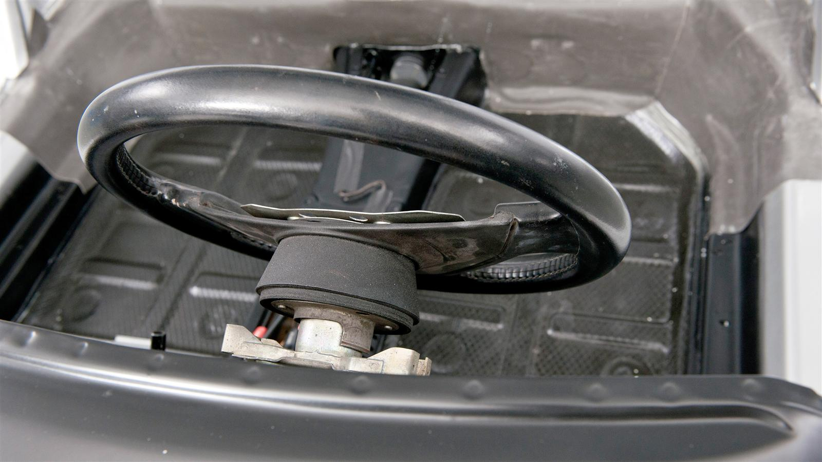 Porsche 911 Factory Restoration steering wheel