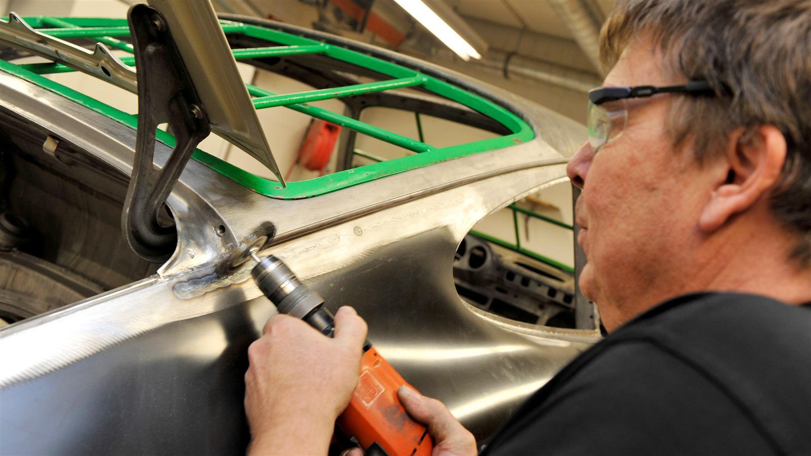 Porsche 911 Restoration metal work