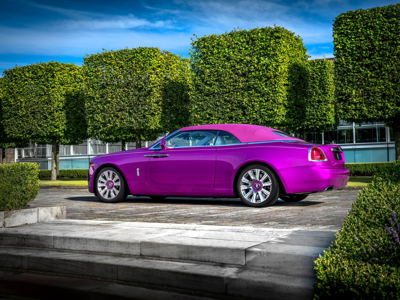 Michael Fux's Rolls-Royce Dawn convertible top up