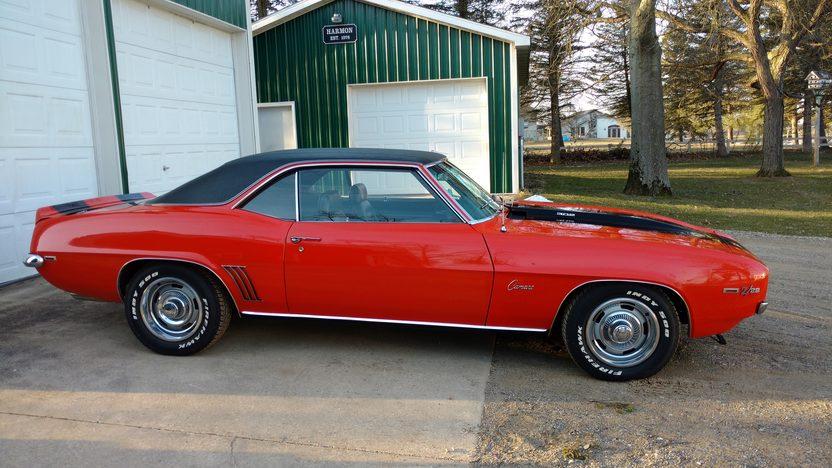 camaro z28 1969 red chevy mecum auction