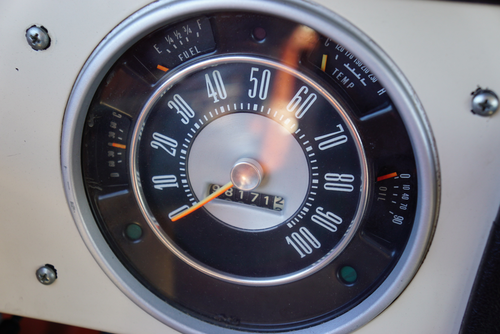 1974 Ford Bronco speedometer