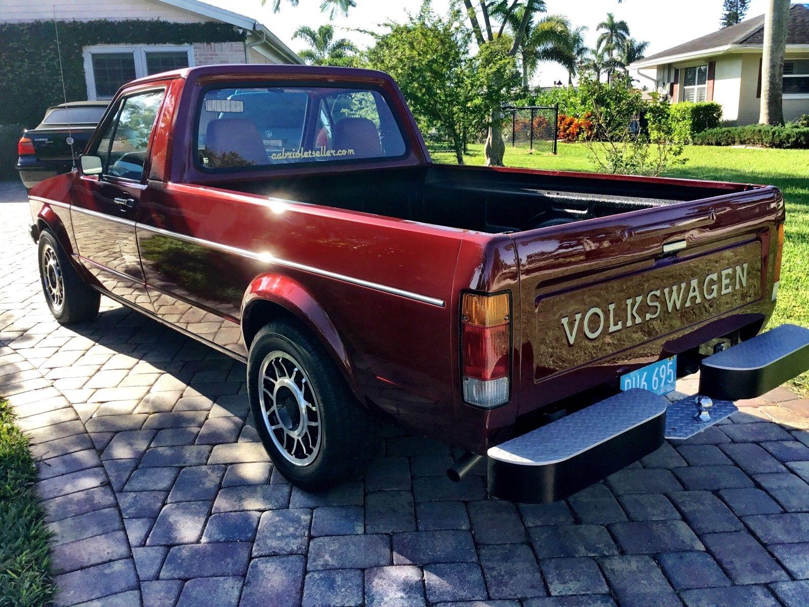 1981 Volkswagen Pick Up left hand rear corner