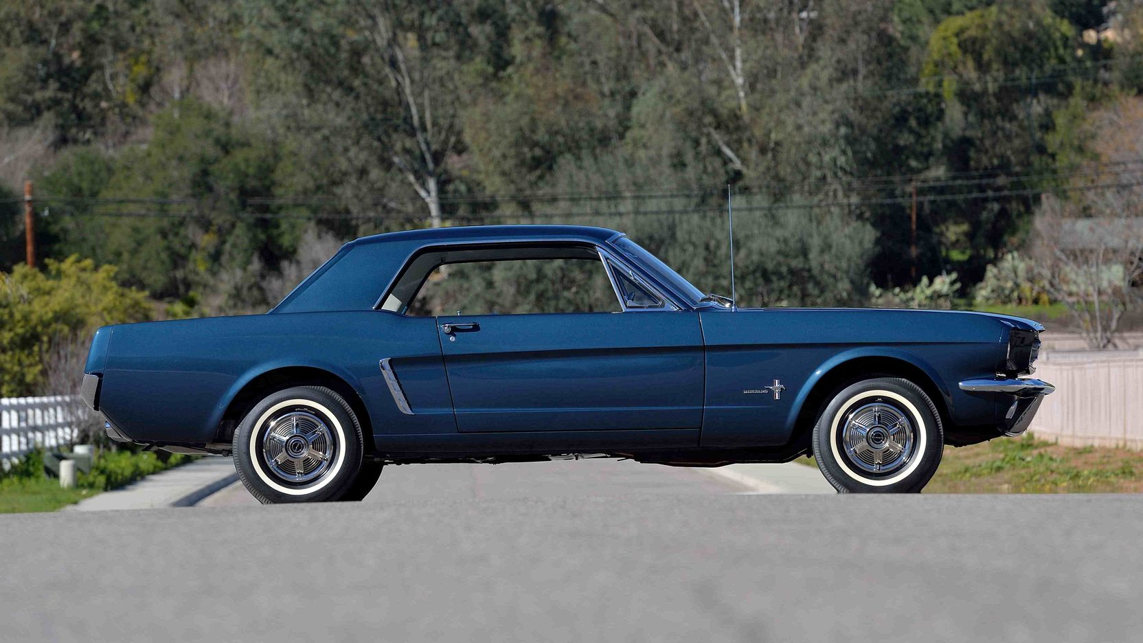 1965 Ford Mustang profile