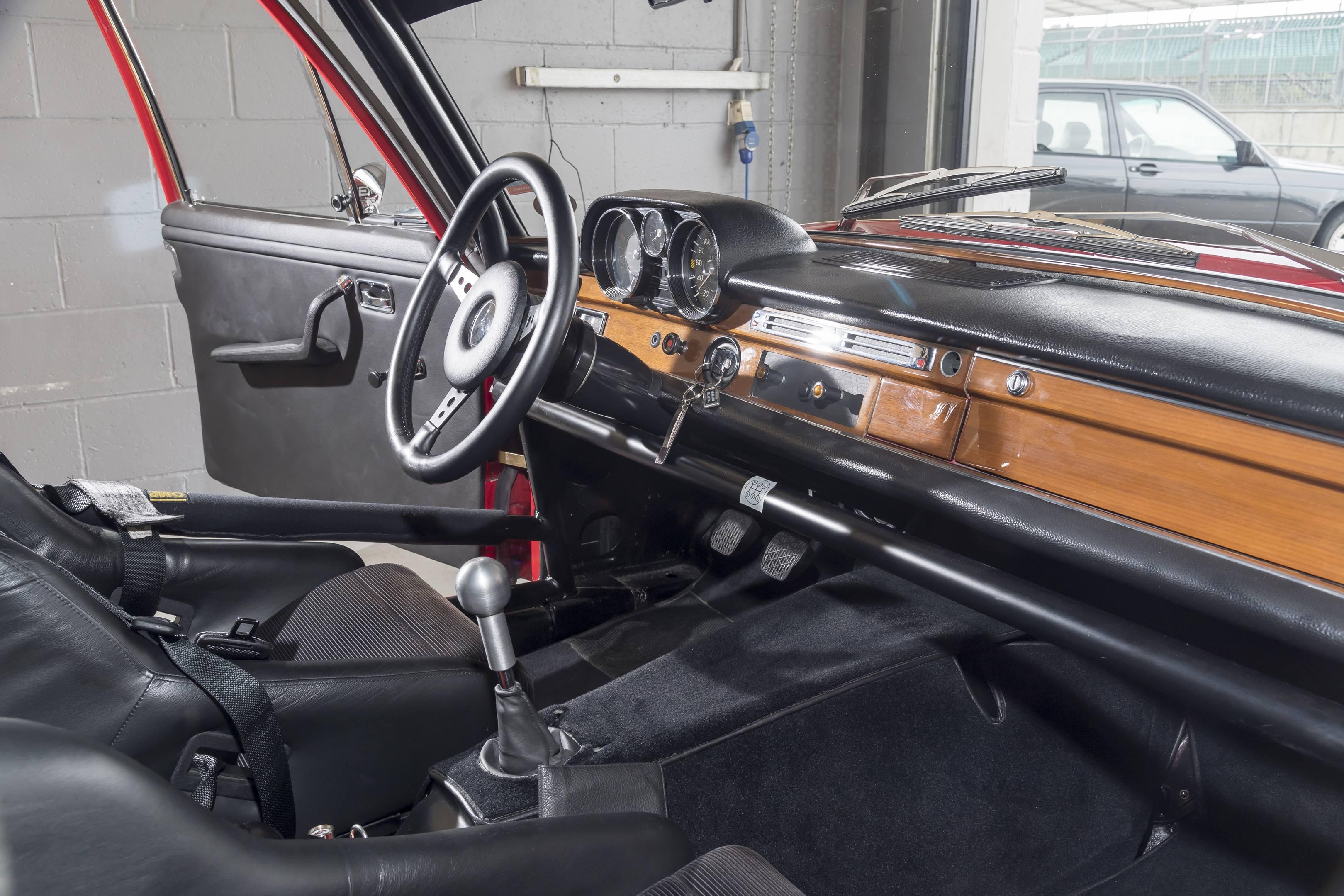 mercedes benz amg 300SEL 6.3 interior wood trim race