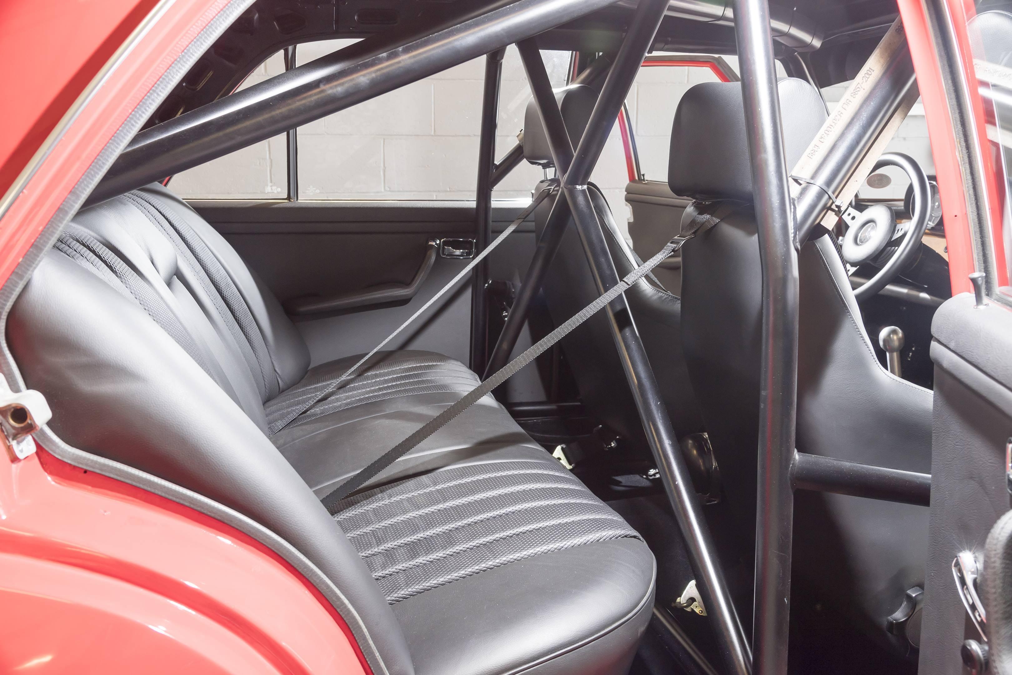 mercedes benz amg 300SEL 6.3 rear seat