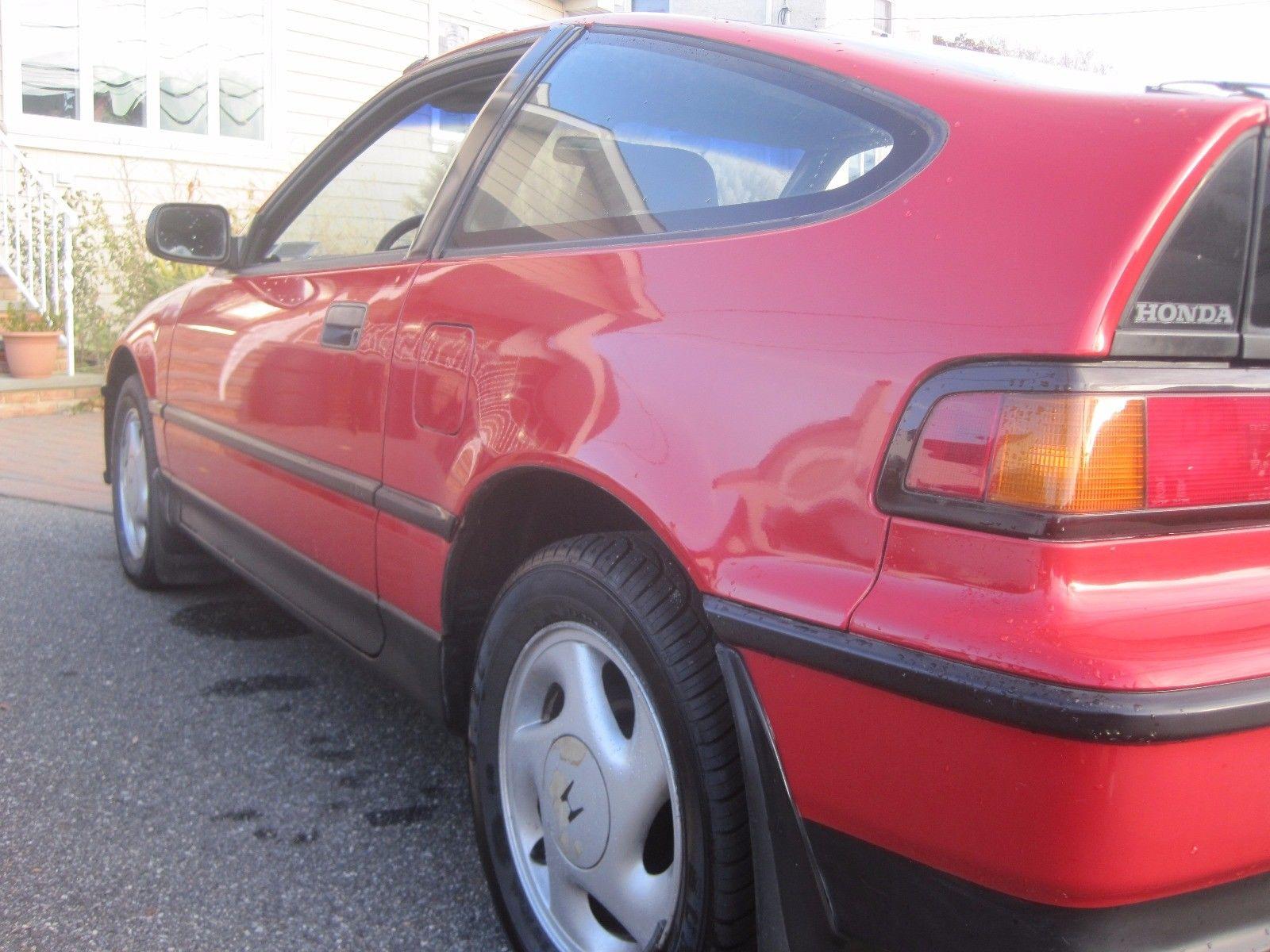 1991 Honda CRX si rear quarter detail
