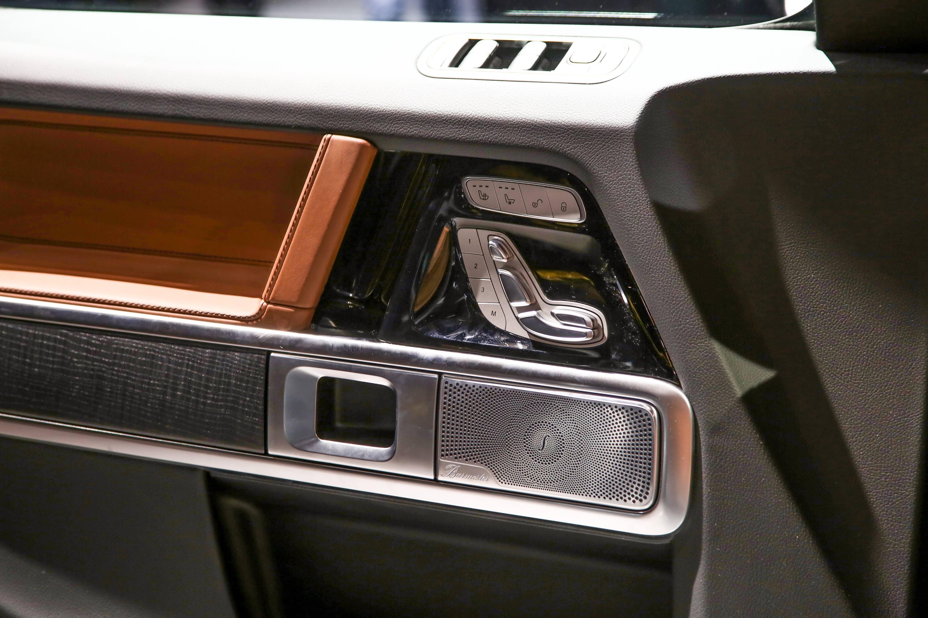 2019 Mercedes-Benz G-Class door panel